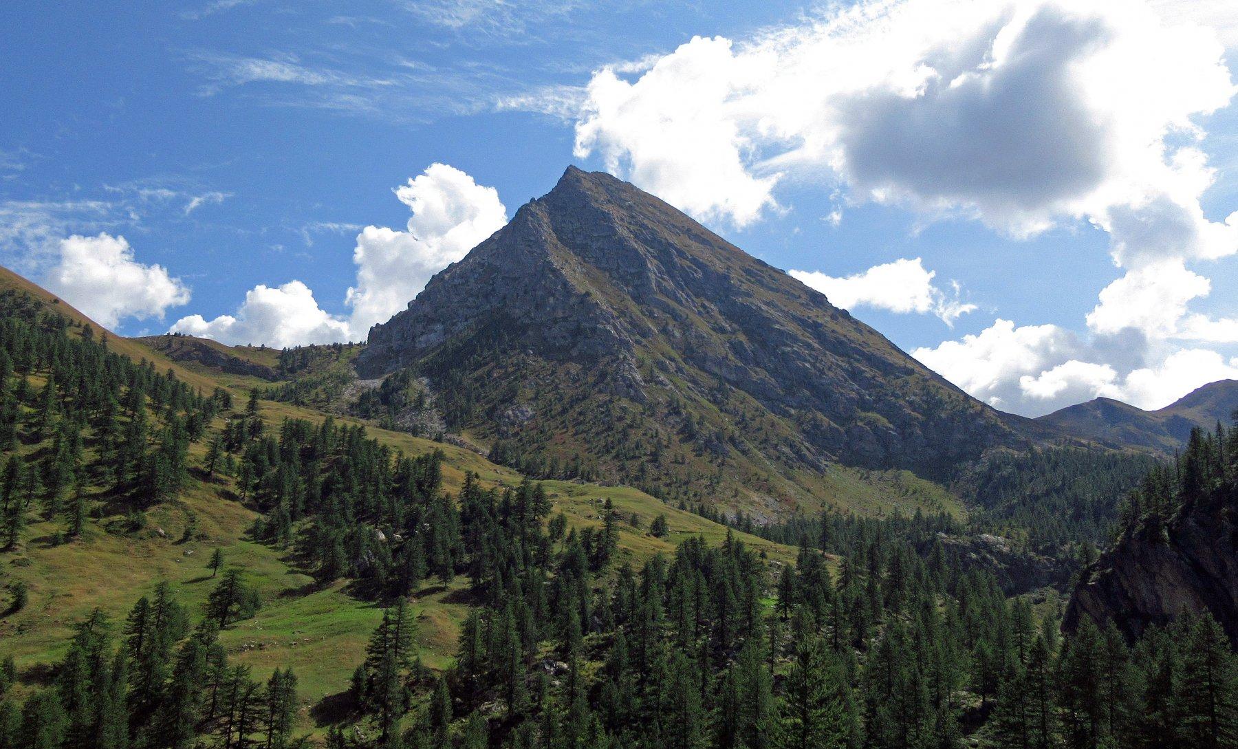 Monte La Bianca vista salendo alle grange Chiacarloso