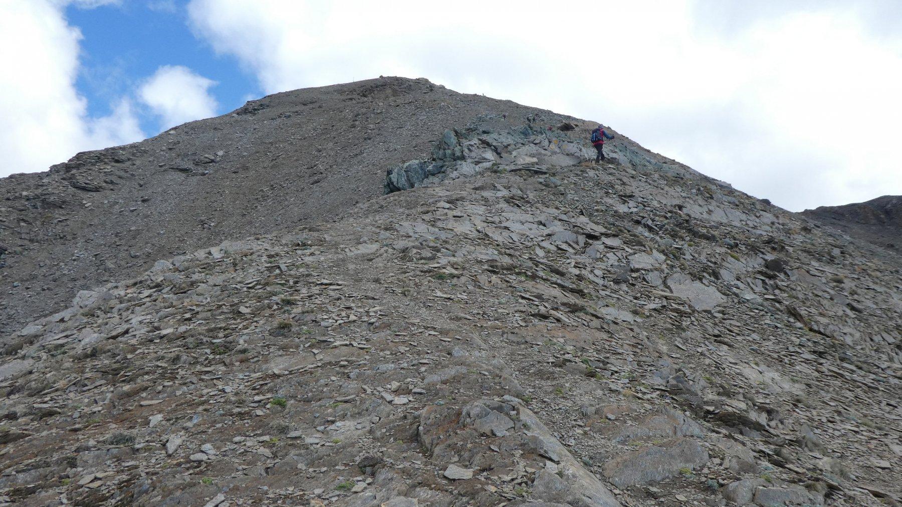 il pietroso crestone SO del Monte Creya da risalire