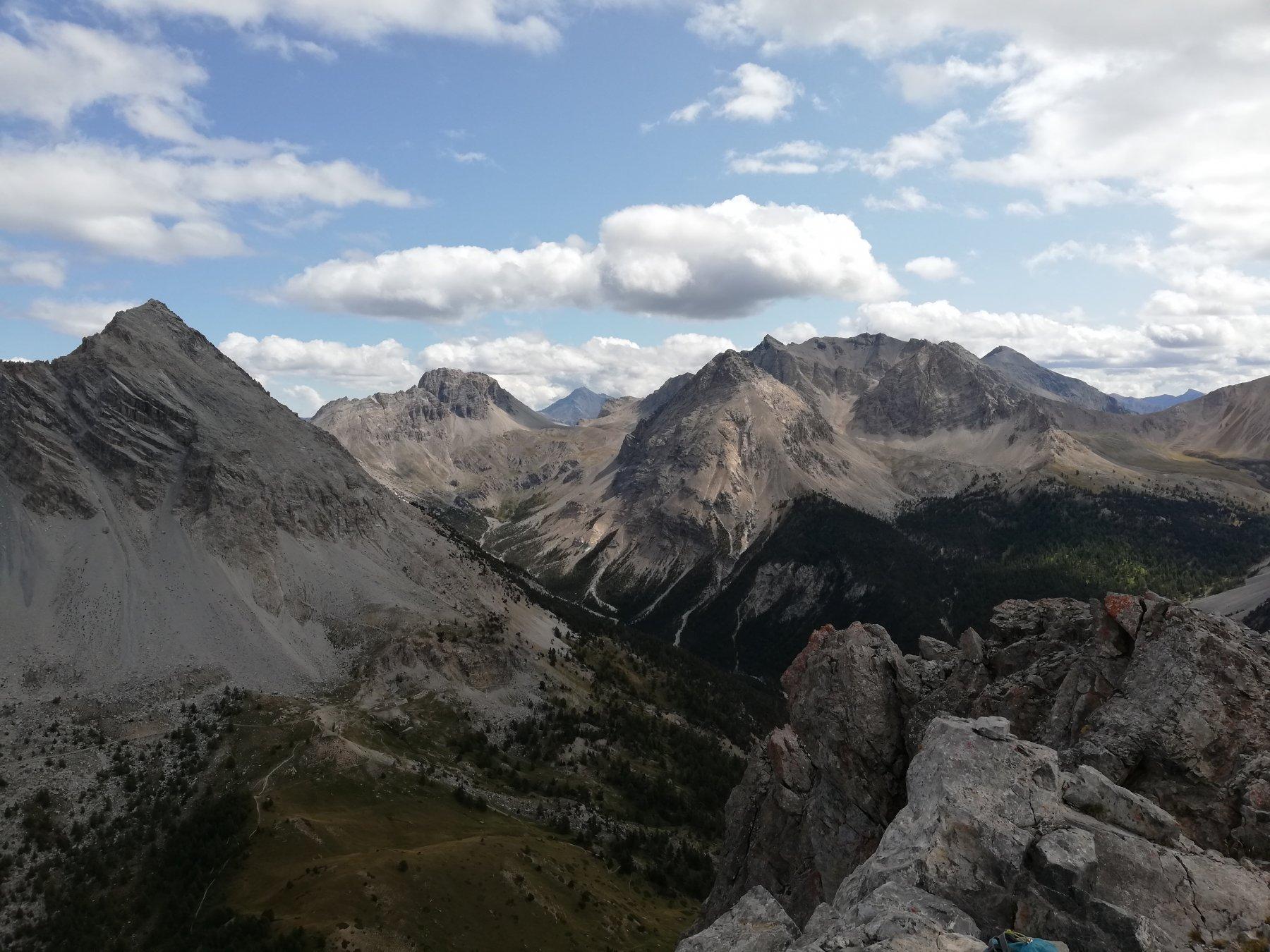 Panorama dalla Vetta:da sinistra Punta Charra, Clotesse, Roche de Pres, Chalanche Ronde, Rocher de Malapas