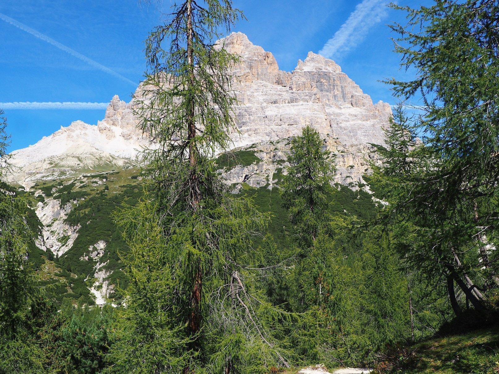 Cima Occidentale e Centrale di Lavaredo viste dal sentiero 101.