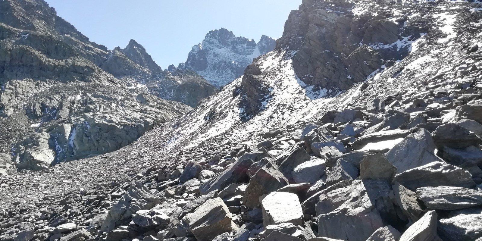 Discesa dal Passo Vallanta