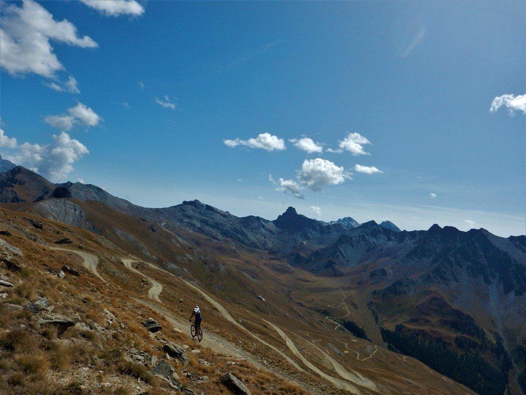 Verso il bivio per il sentiero del col Longet