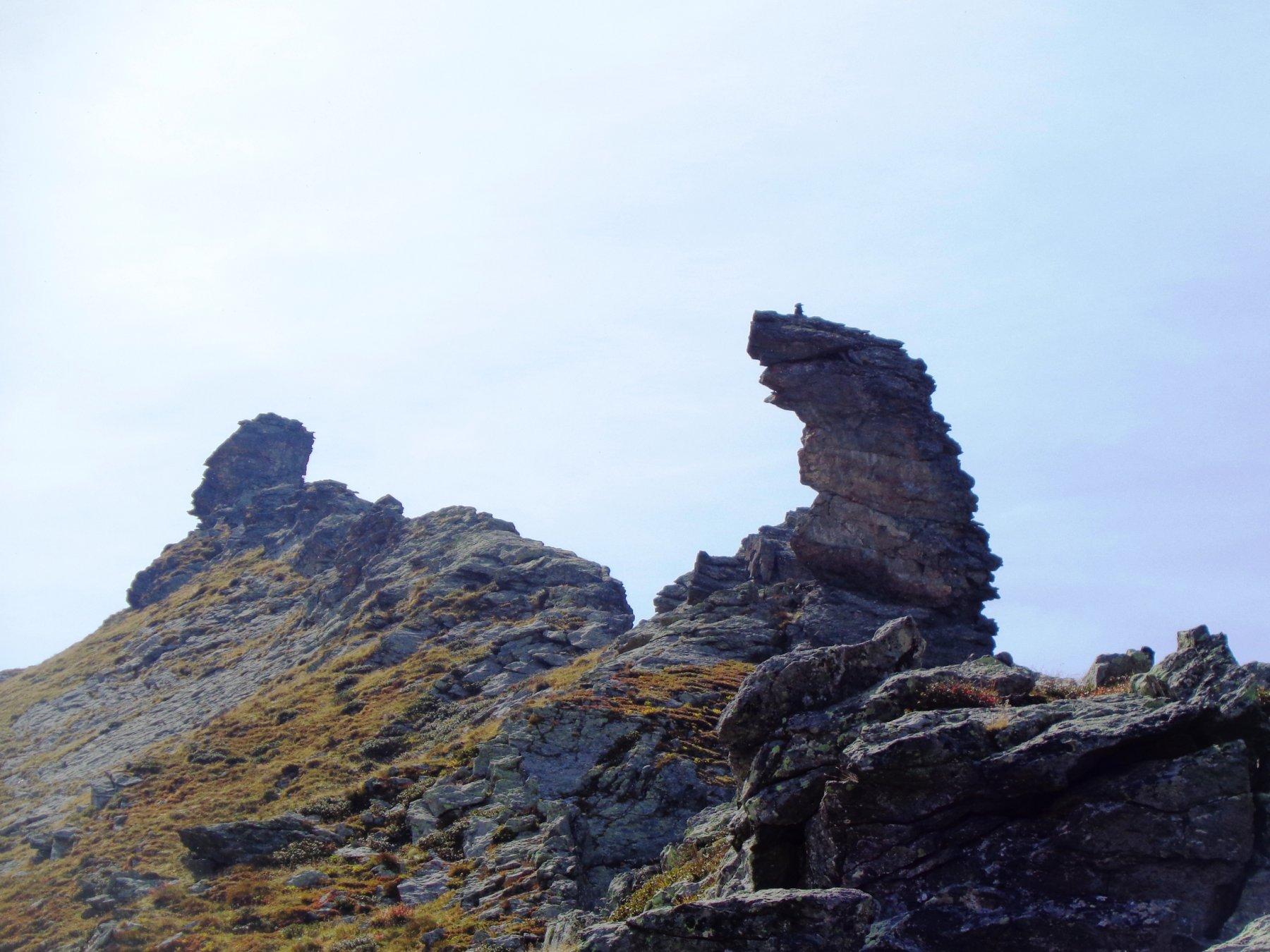 Il Falcetto (con il nuovo ometto in cima) e la punta nord del Bec del Fauset di sfondo