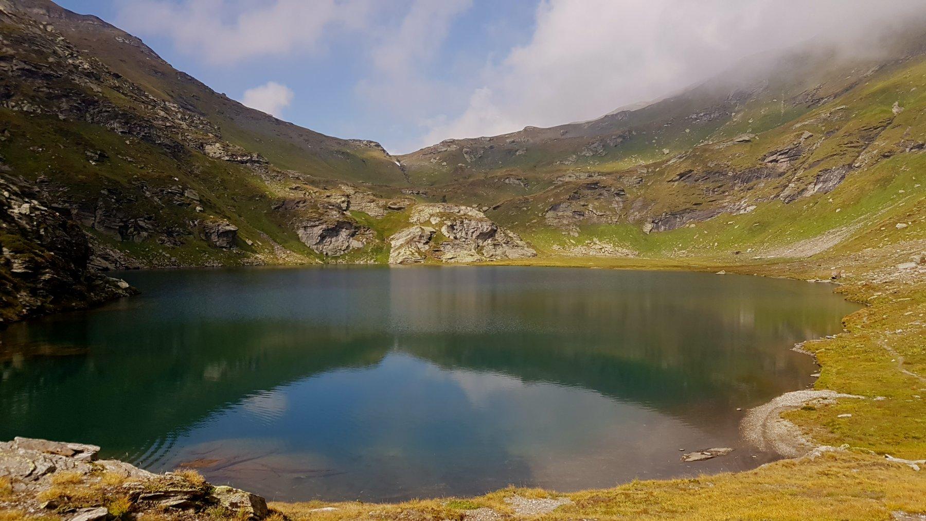 Il limpido lago di Poiala