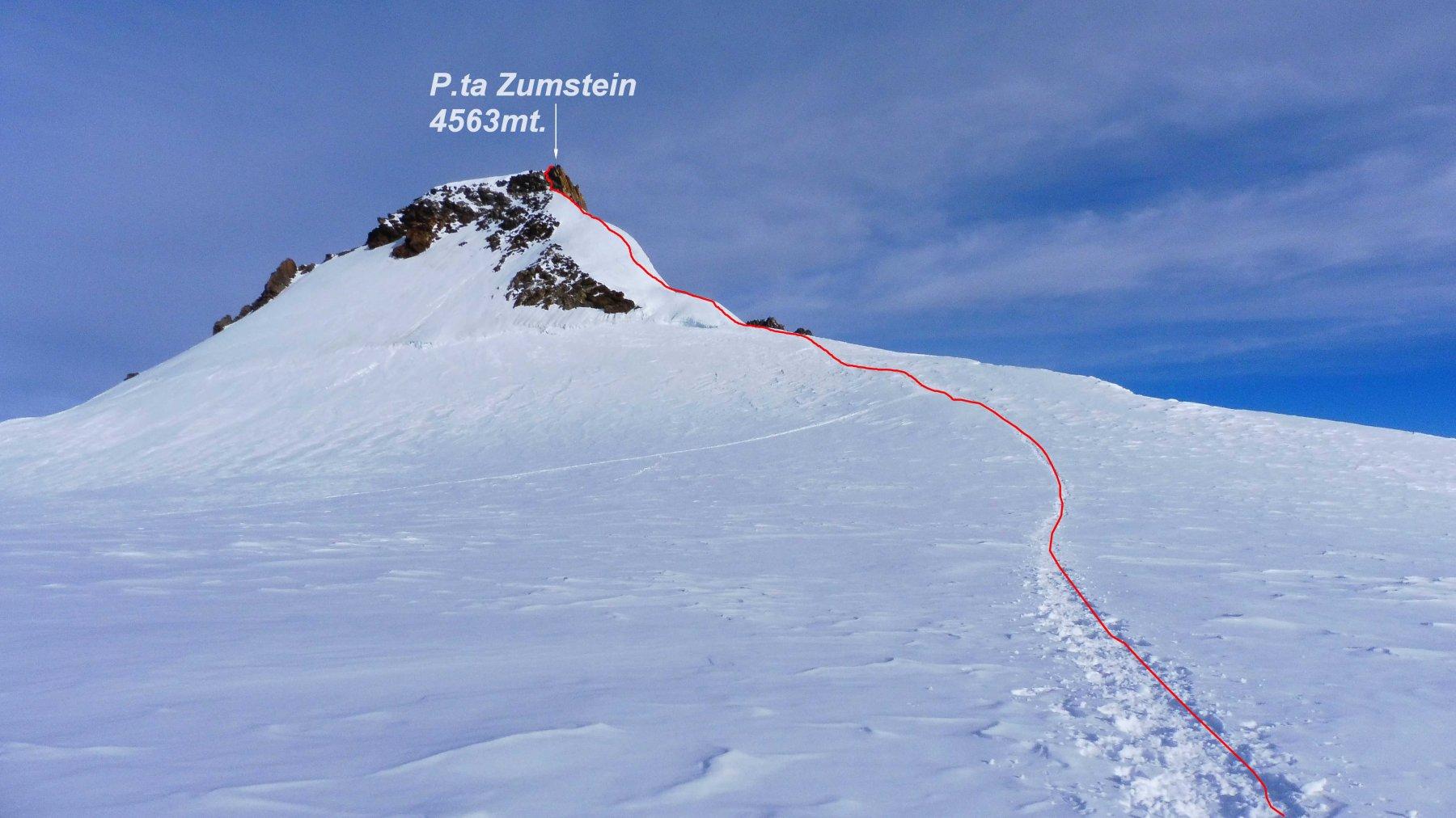 In rosso la traccia finale per la P.ta Zumstein.