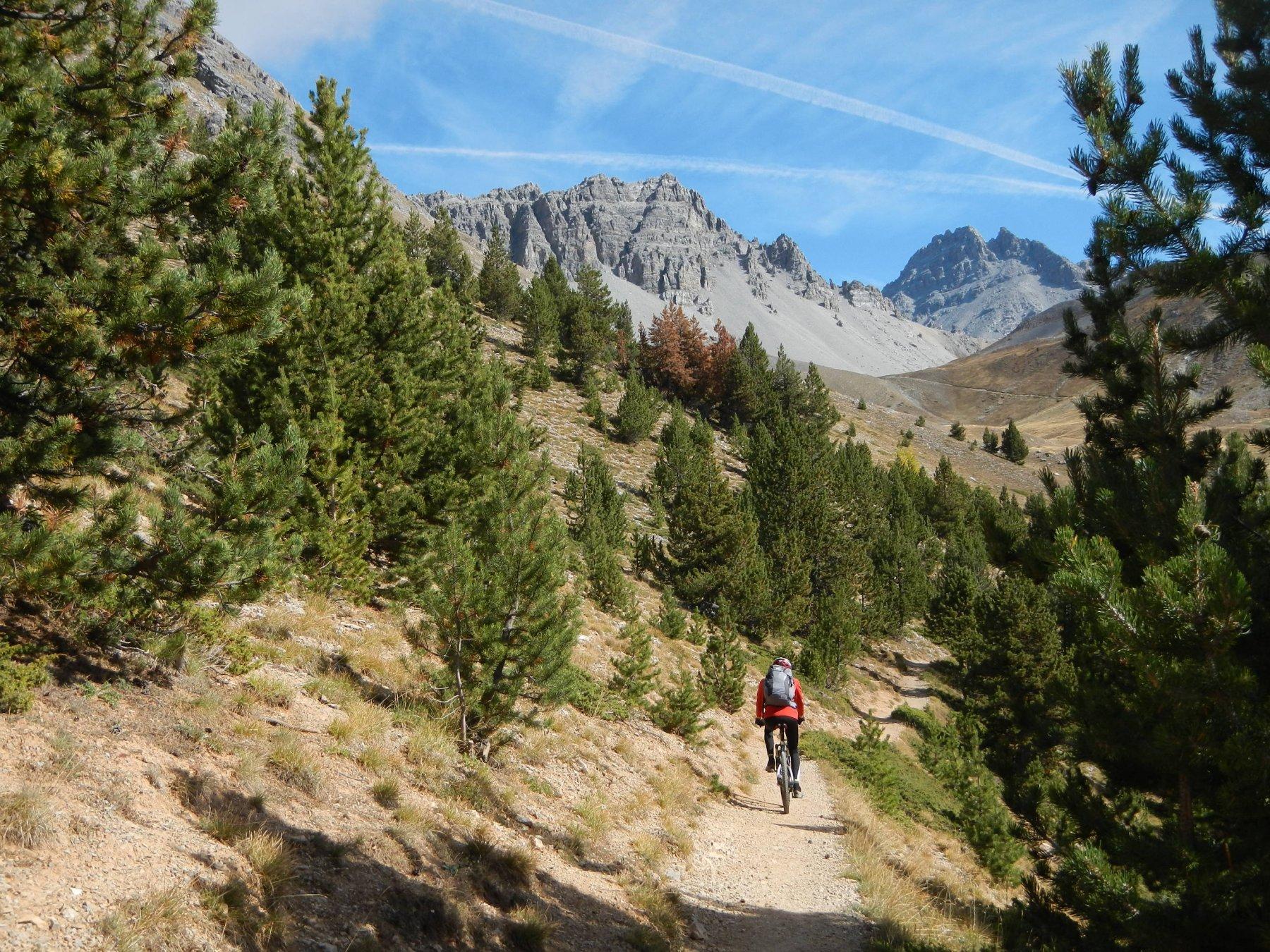 sullo sfondo, a destra, il Pic de Rochebrune