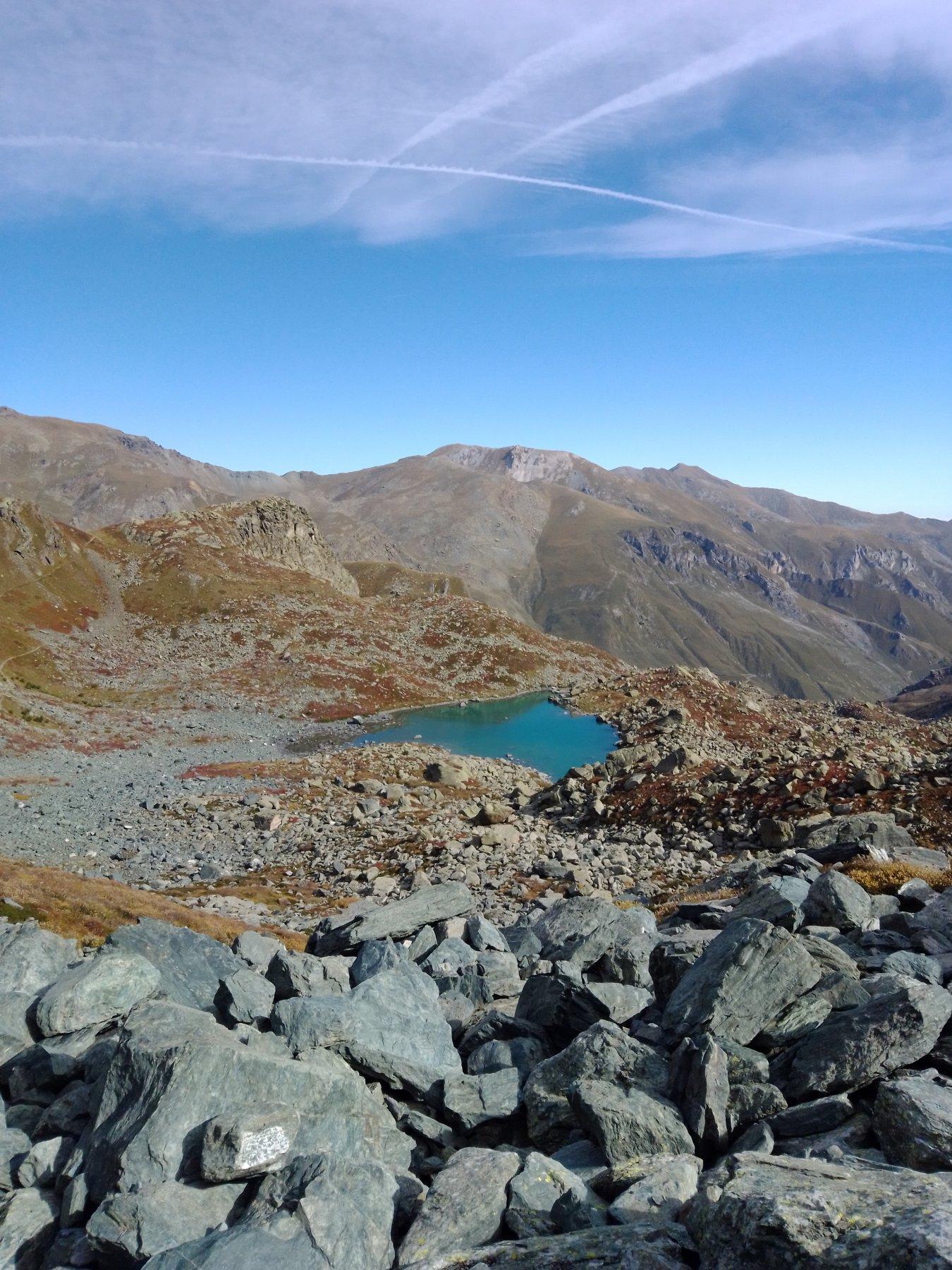 Il lago Chiaretto salendo al colle di Viso