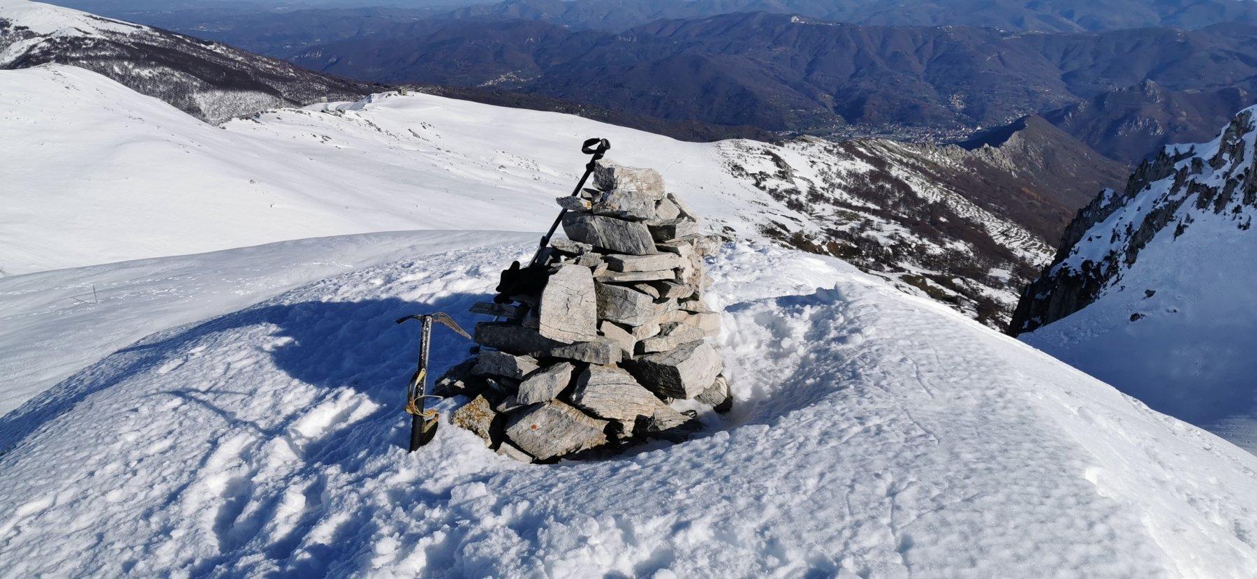 ometto di vetta e cima del Monte Grosso