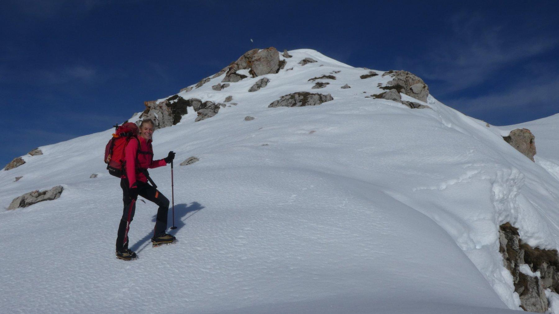 in salita lungo la cresta Sud del Monte Grosso