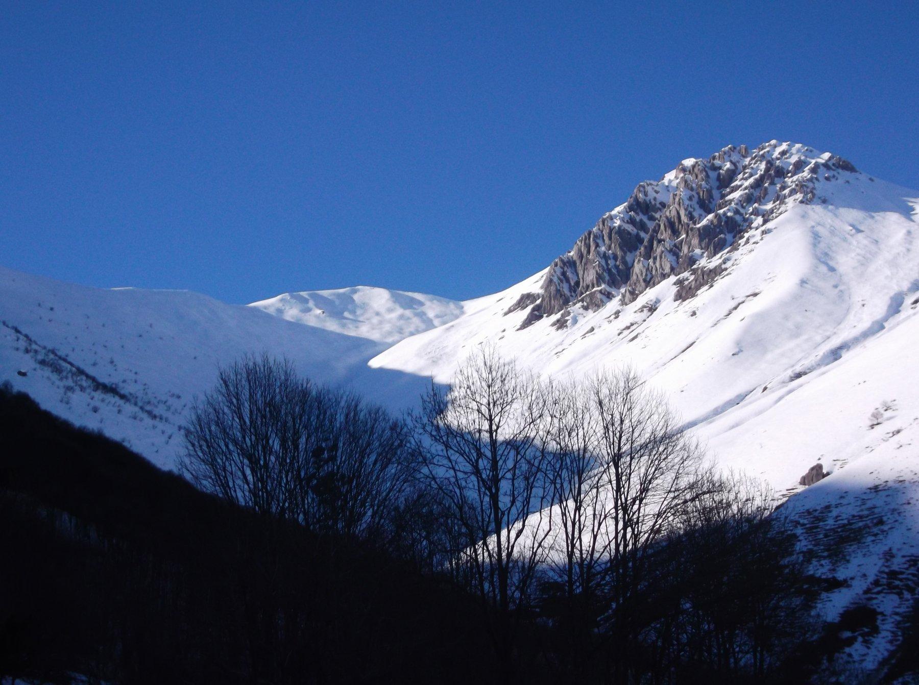 Pianard e Rocca d'Orel dal parcheggio