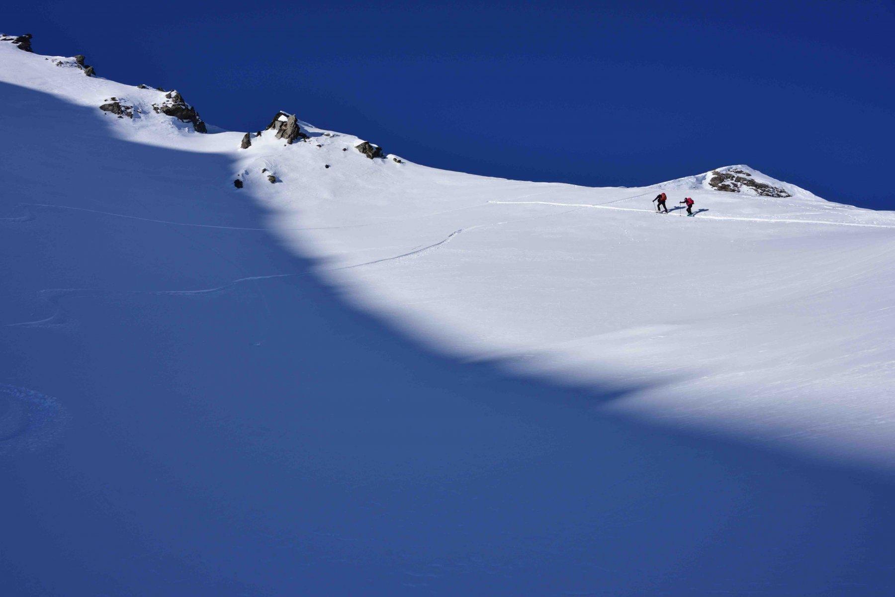In cima alla valletta sospesa verso il colle 2665 m.