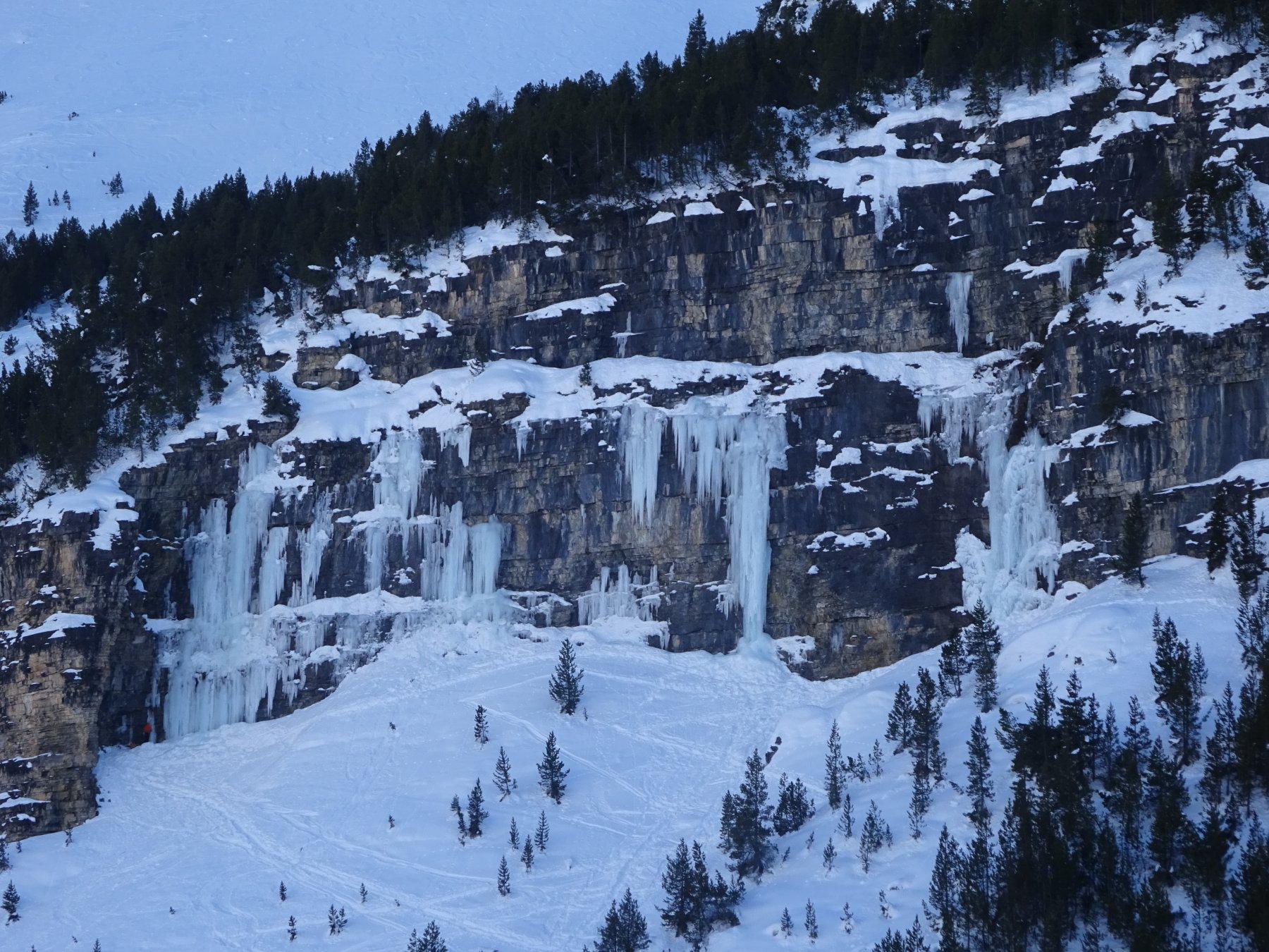 Cascate di ghiaccio nella zona