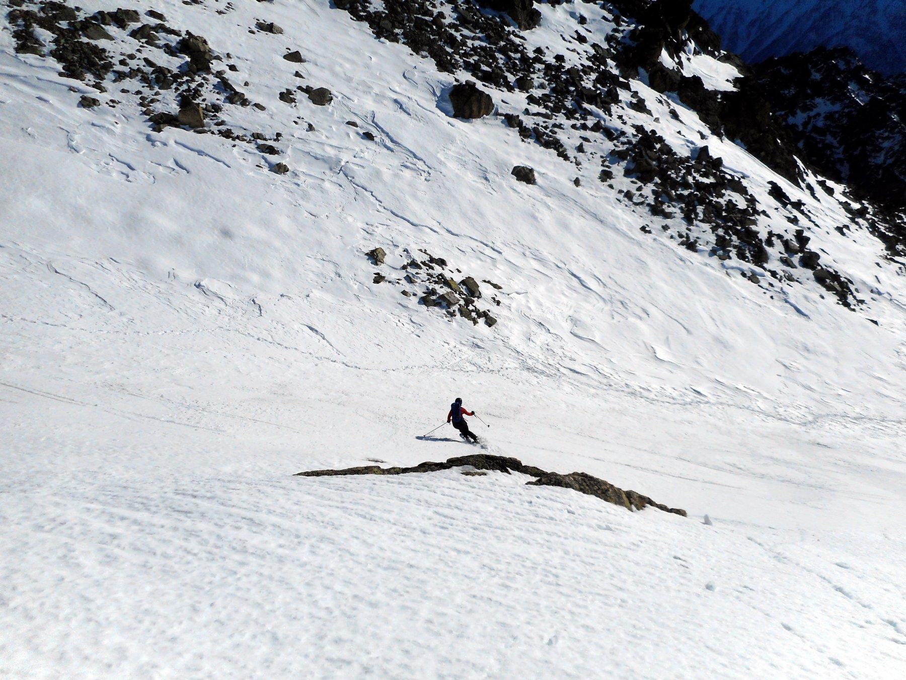 ottima neve nella valletta sotto la cima