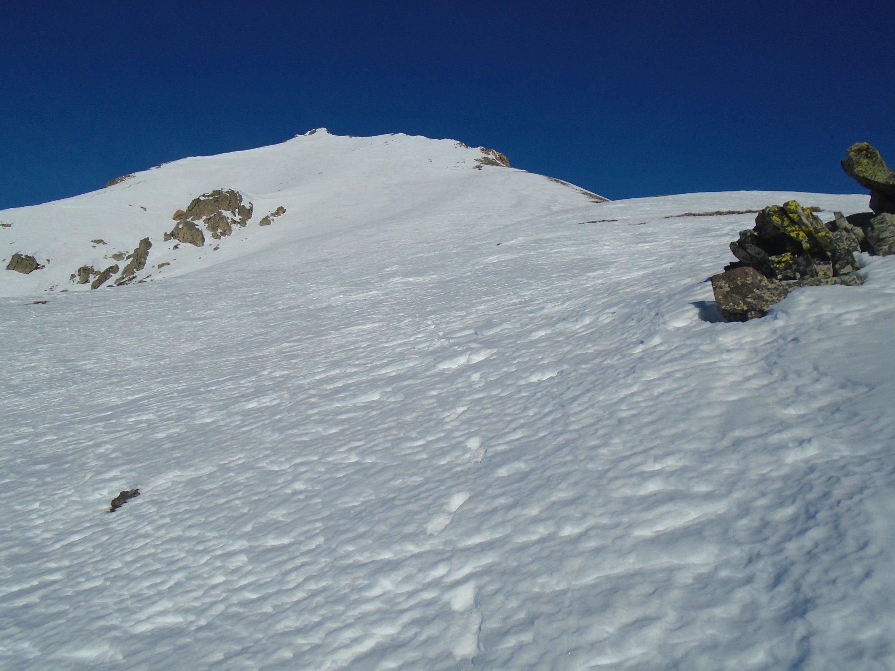 Gran parte della cresta con la vetta in alto a sx