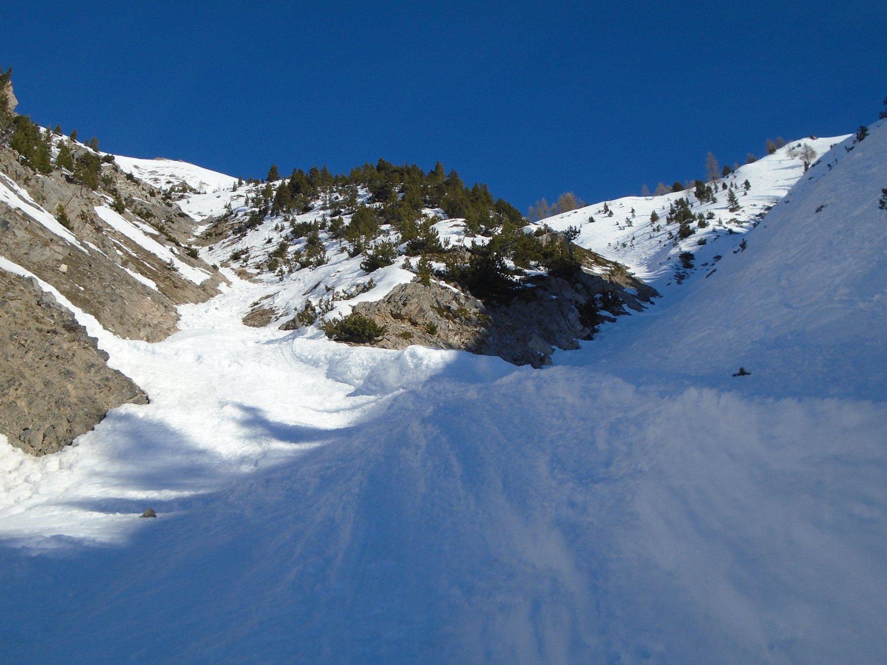 Bivio inferiore/principale: a sx manca neve