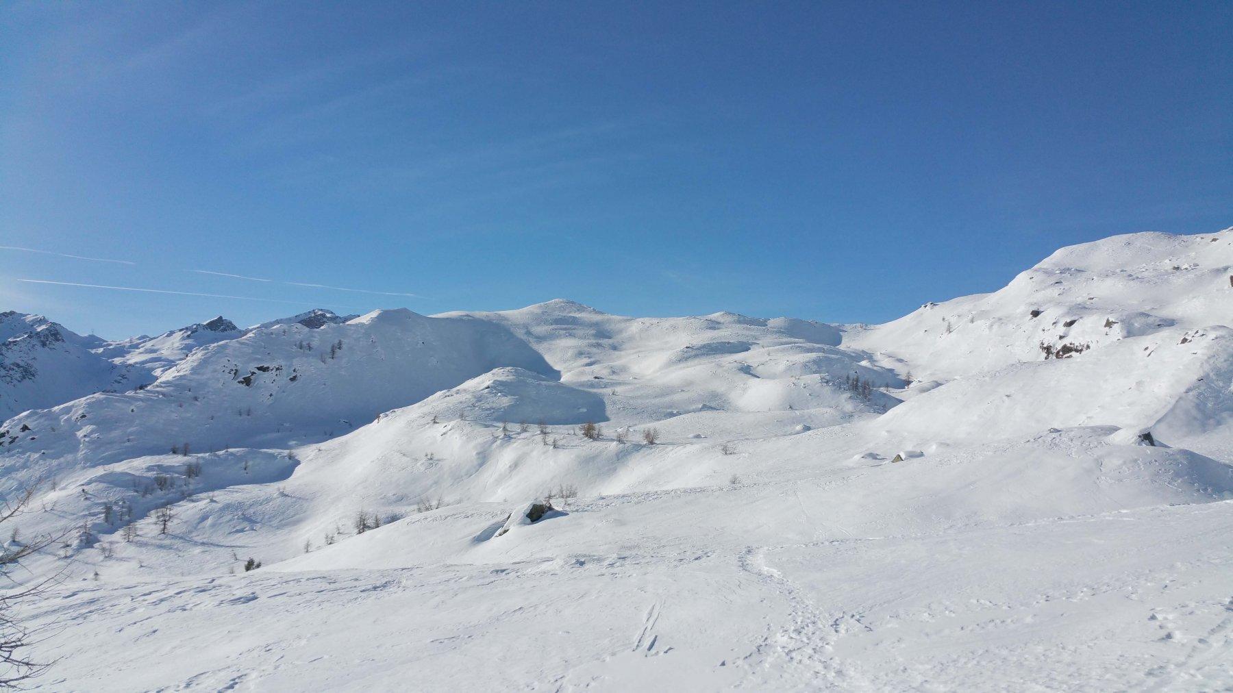 In  alto al centro la cima del Mon Ros 2287 m.
