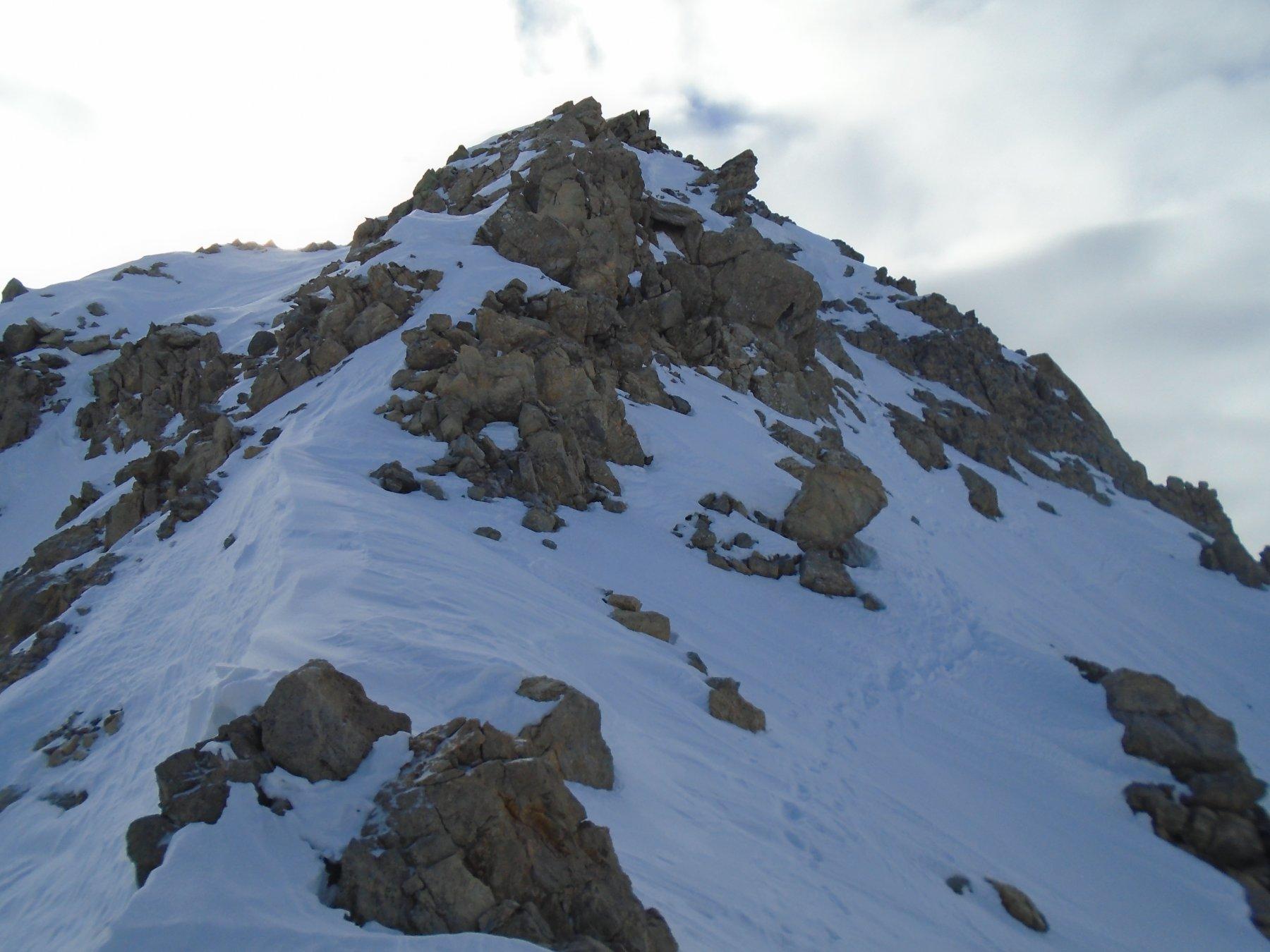 Cresta est (verso la vetta) dalla sella dove termina il canale sx
