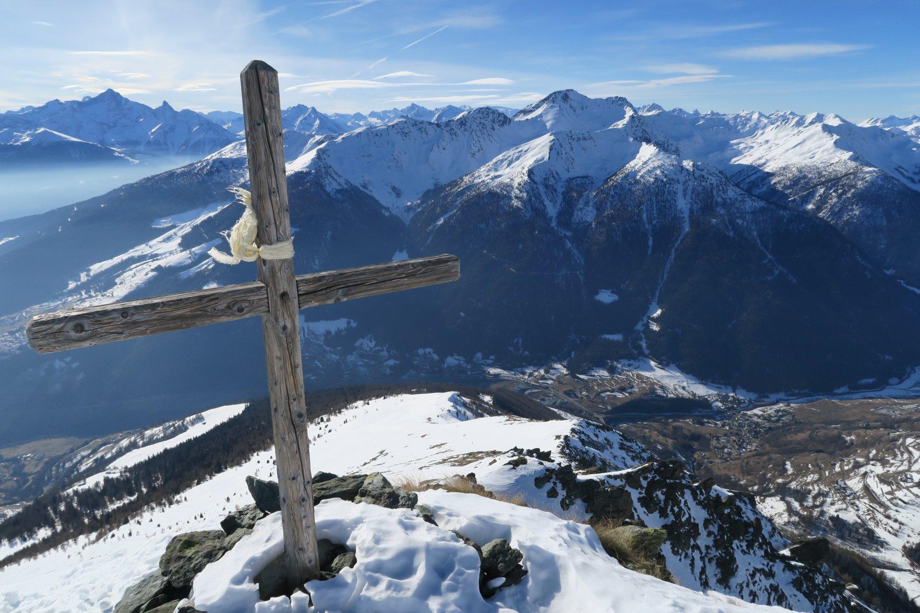 la croce in cima al Saron