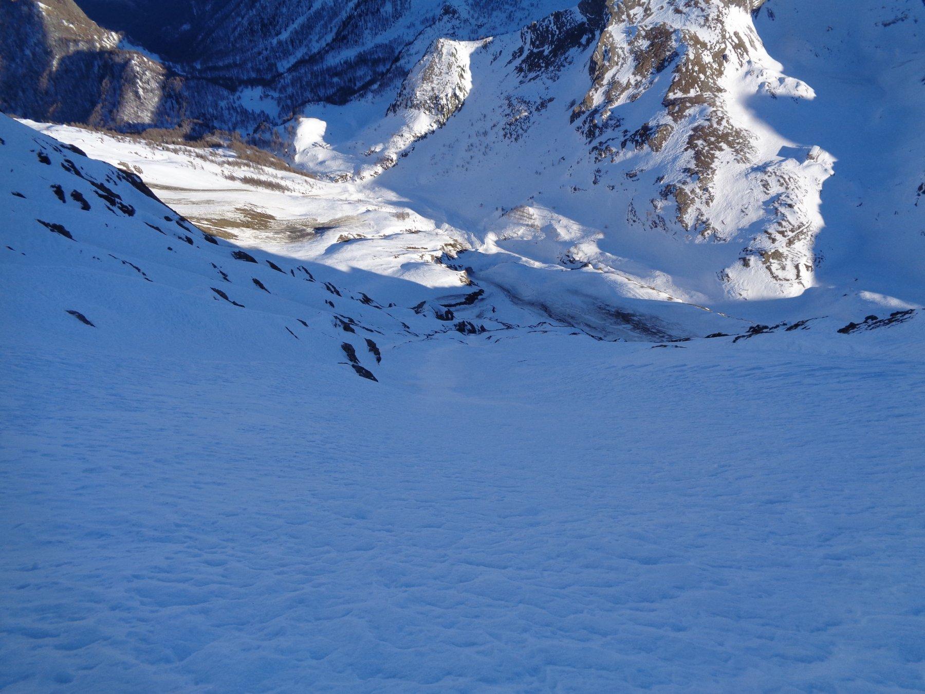 Tutta la parete dal traverso sotto cresta.. 500m sono lunghi