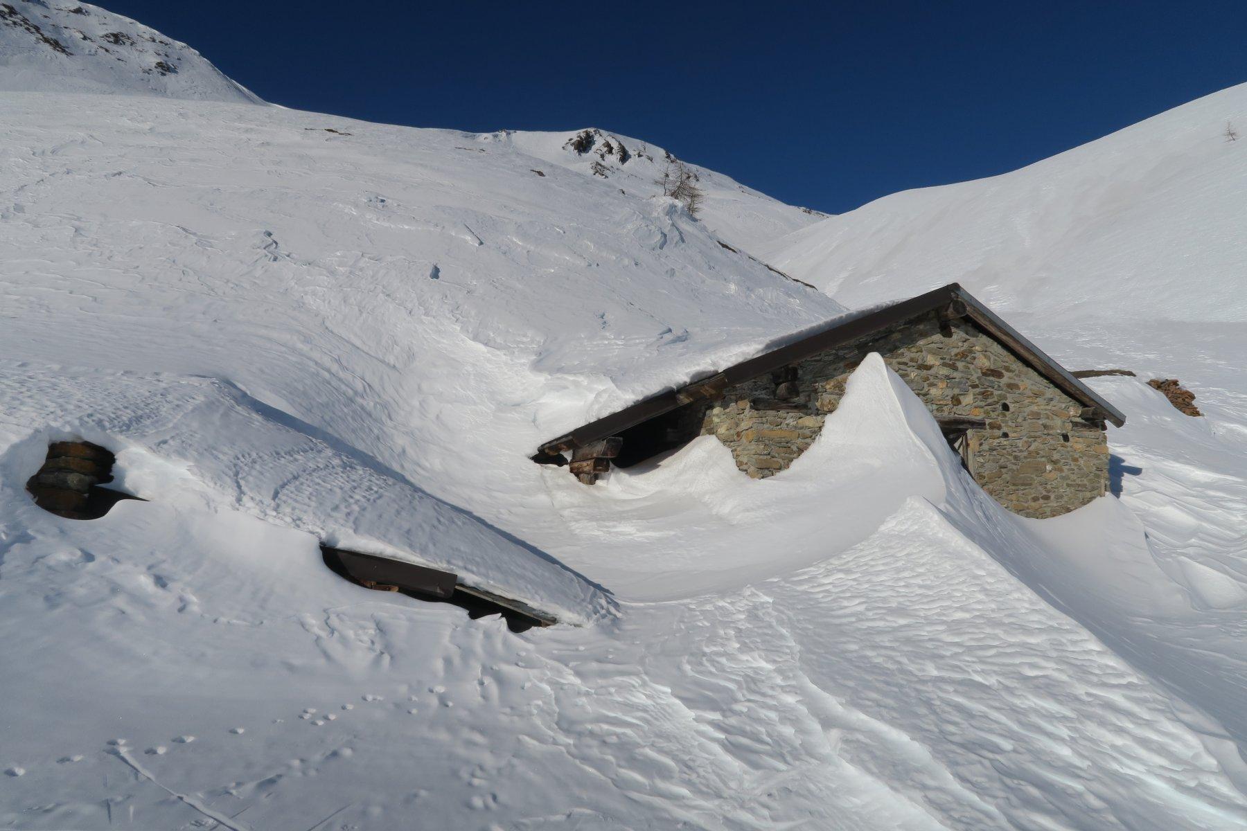 l'alpe di Metz semisommersa dalla neve
