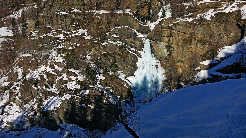 Primo tiro della cascata di Lillaz ancora non formato