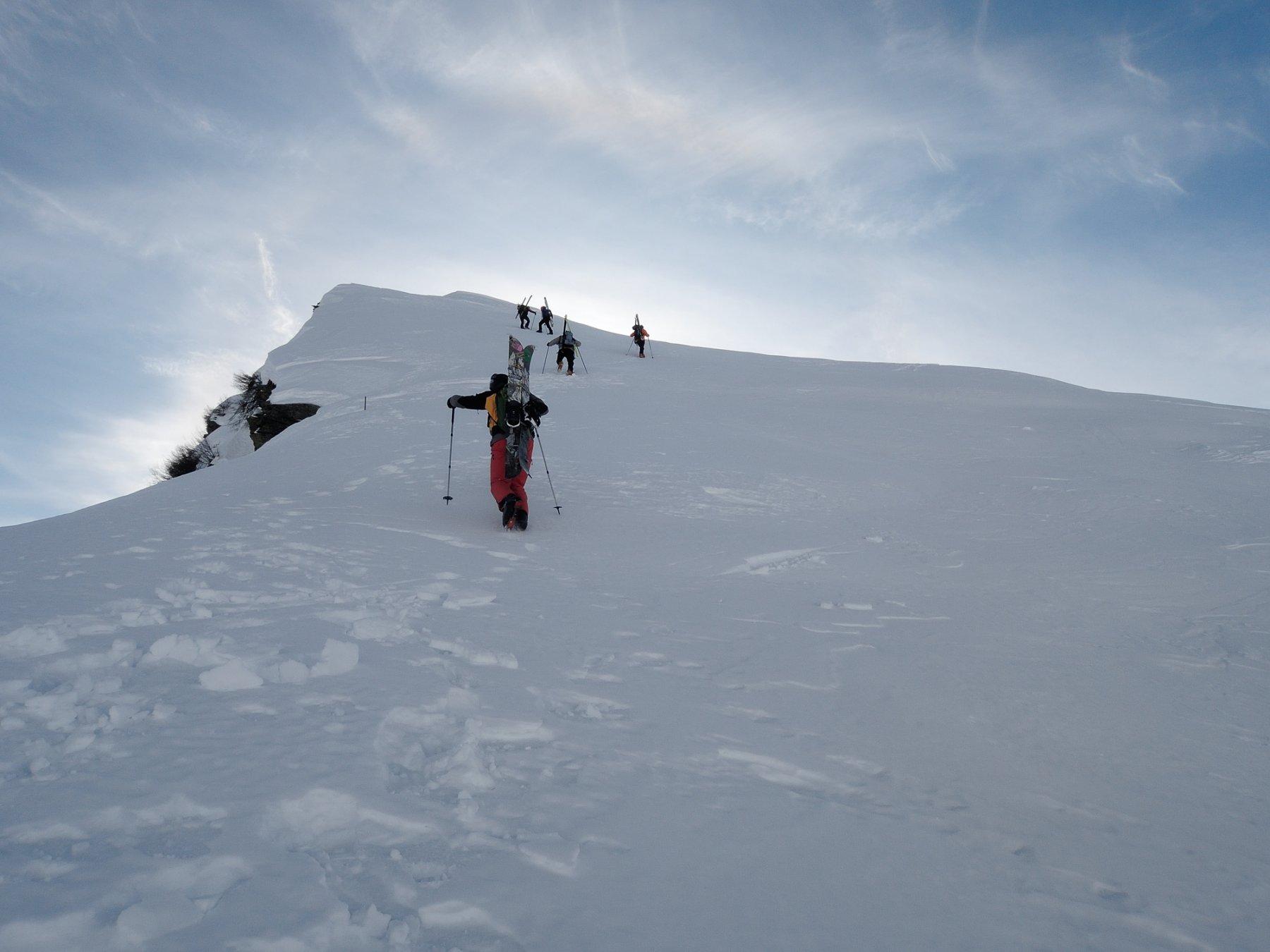 DSCN6624 Sci in spalla verso la cima