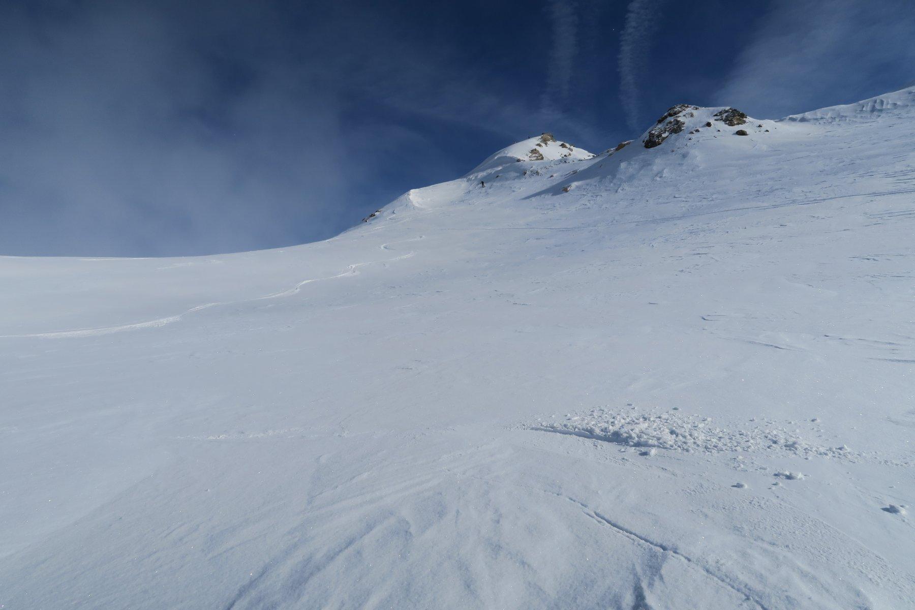 bella neve in alto, appena un pò ventata