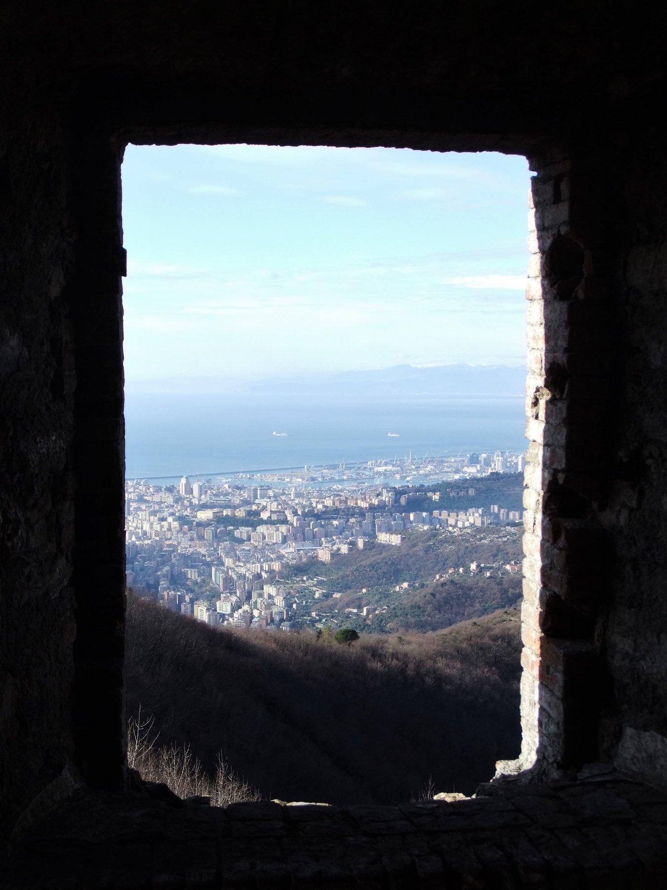 Genova dalle finestre del forte