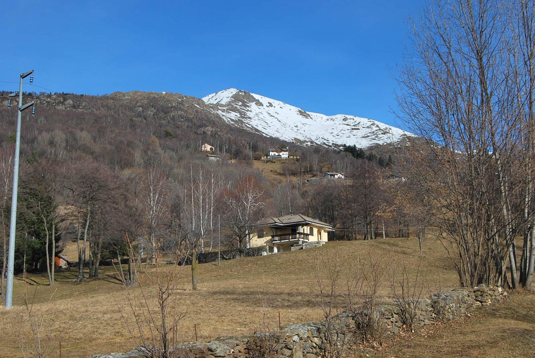 S. Giacomo e la cresta per La Torretta visti salendo da Andrate