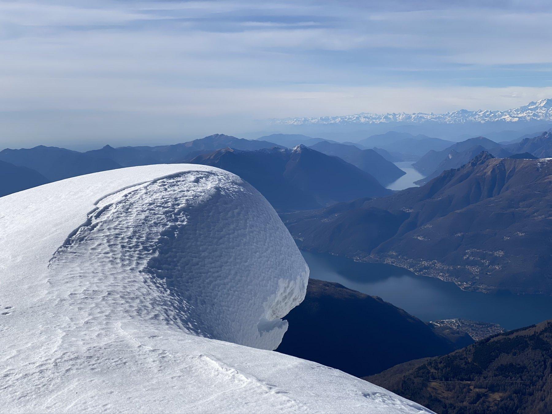 La parte nevosa della cresta