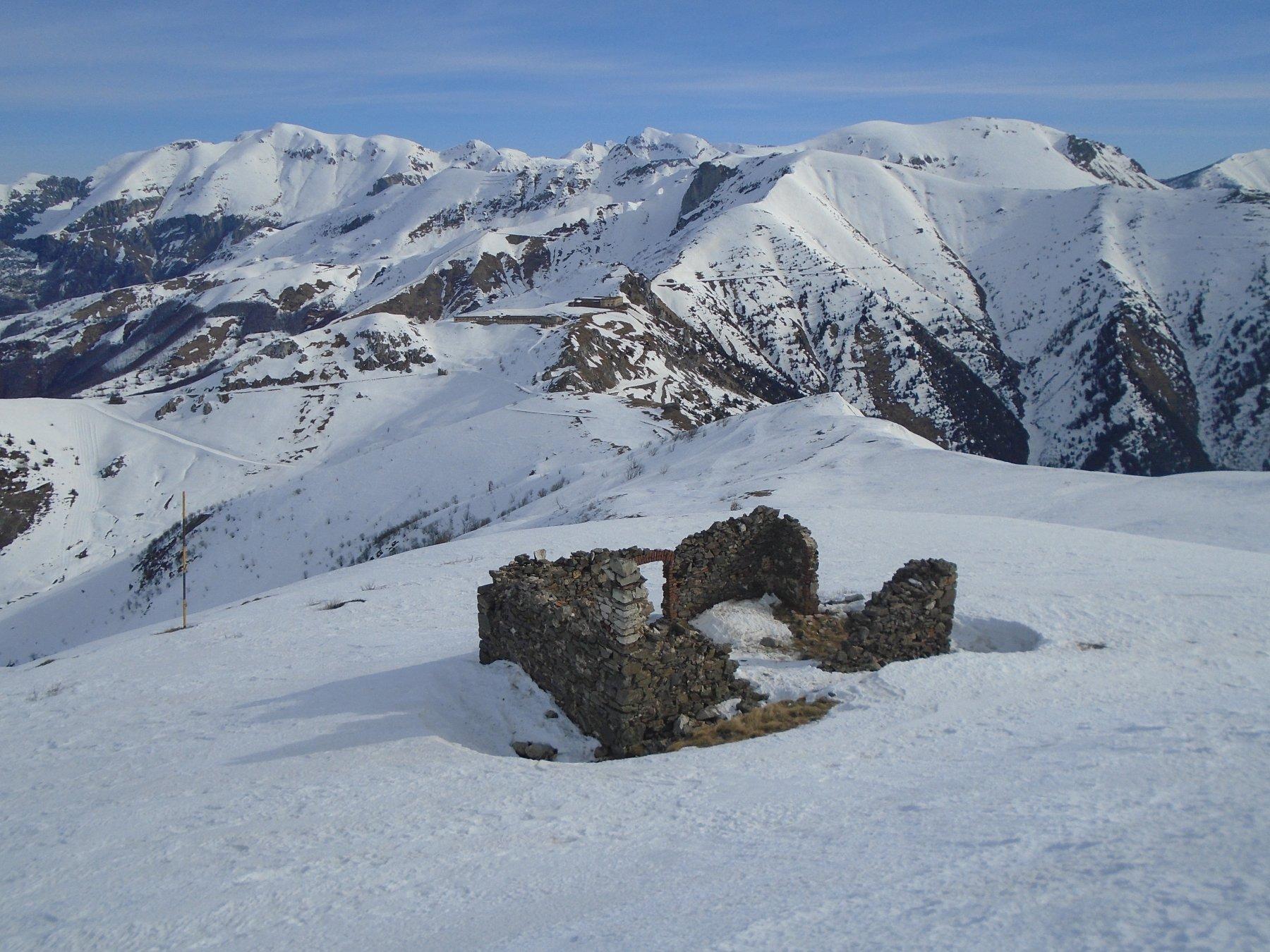 La dorsale verso Colle di Tenda e Forte Centrale.