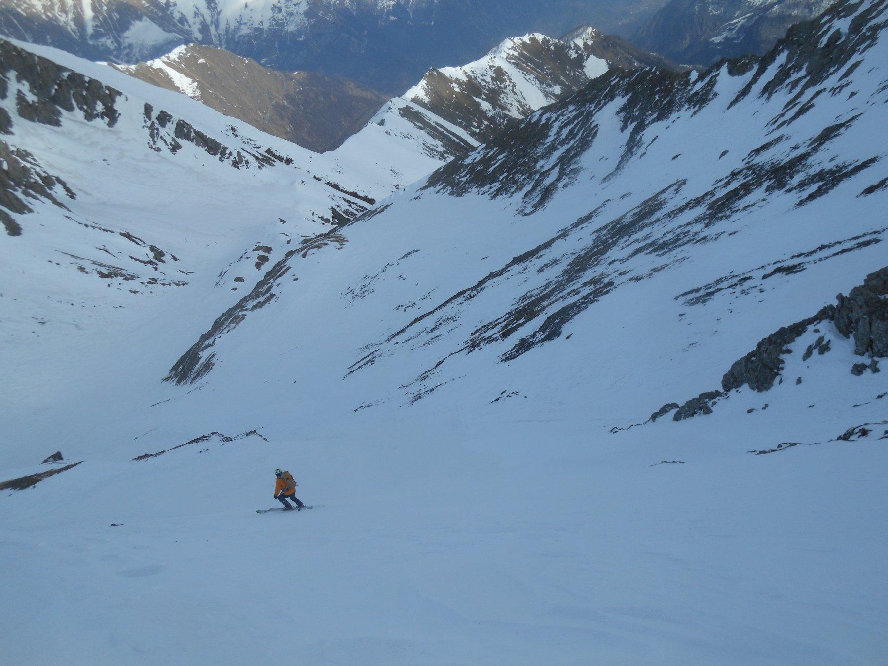 Il versante NNE della montagna, bello freddo, neve dura ma abbastanza liscia