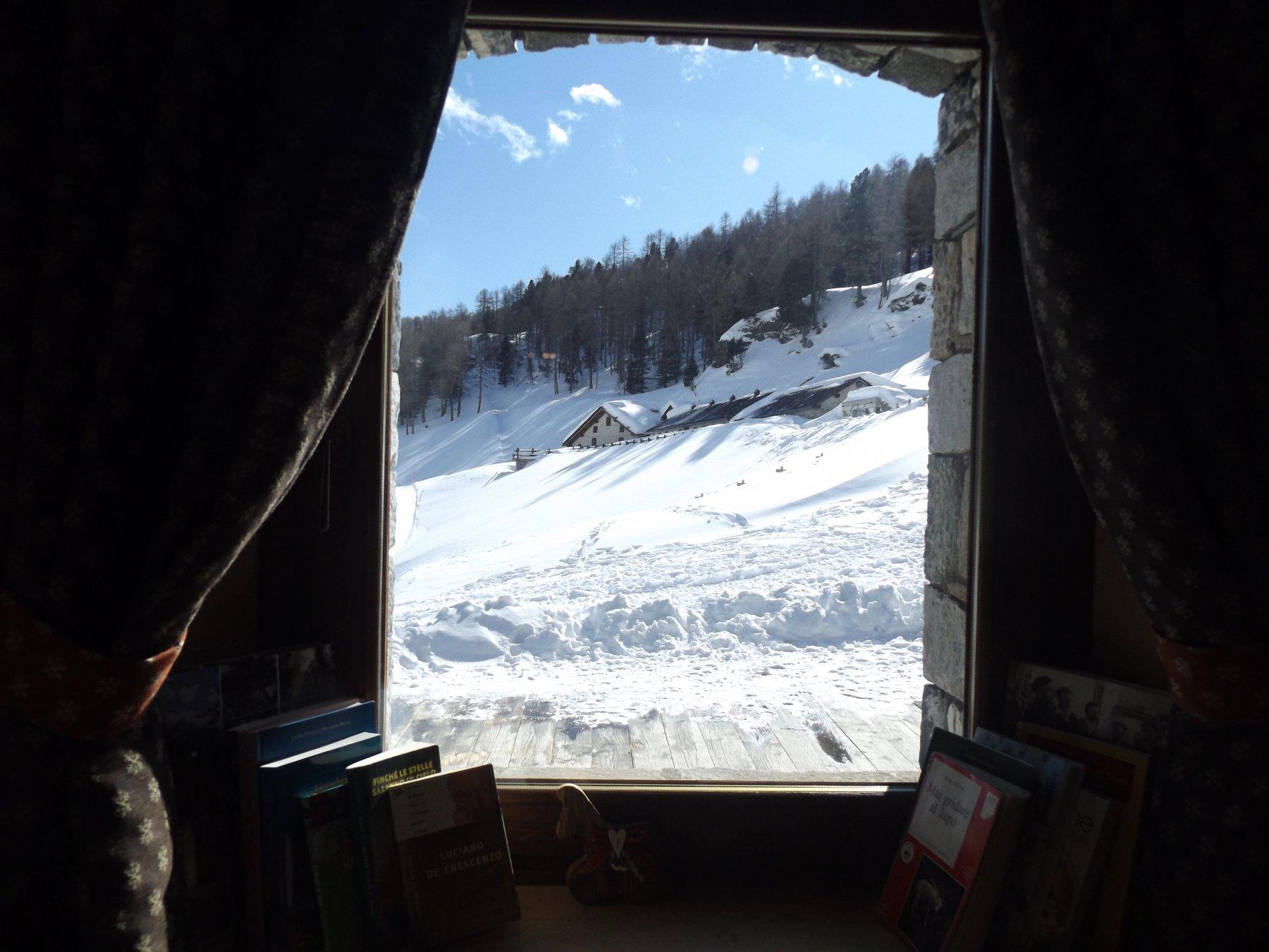 Da una finestra del rifugio