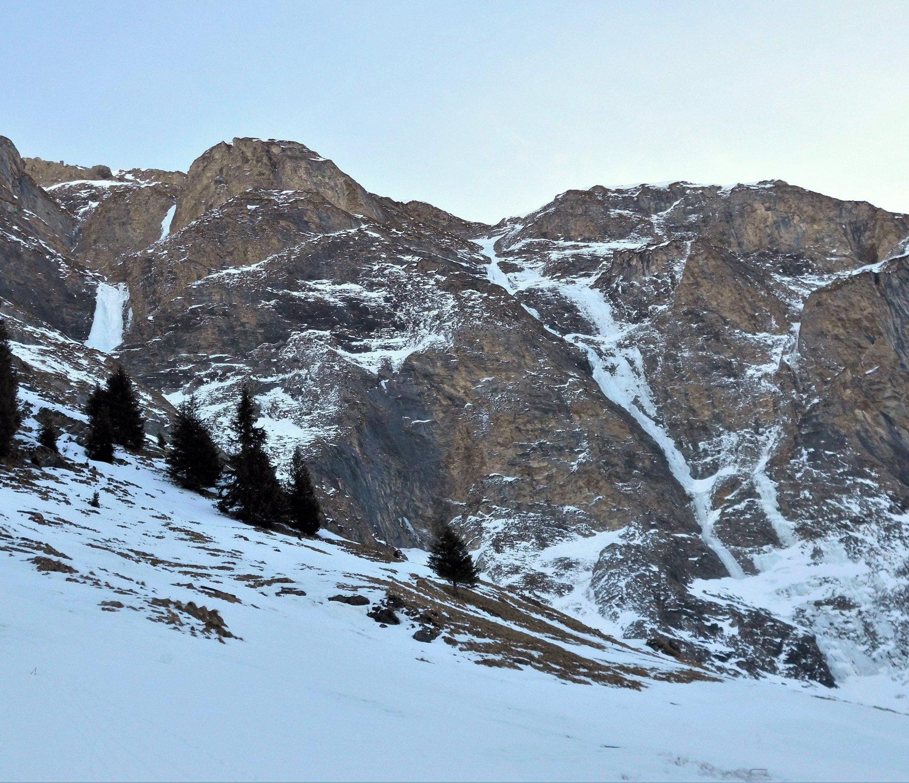 Val Curciusa, HinterrheinChemitobel (Cascata) 2020-02-12