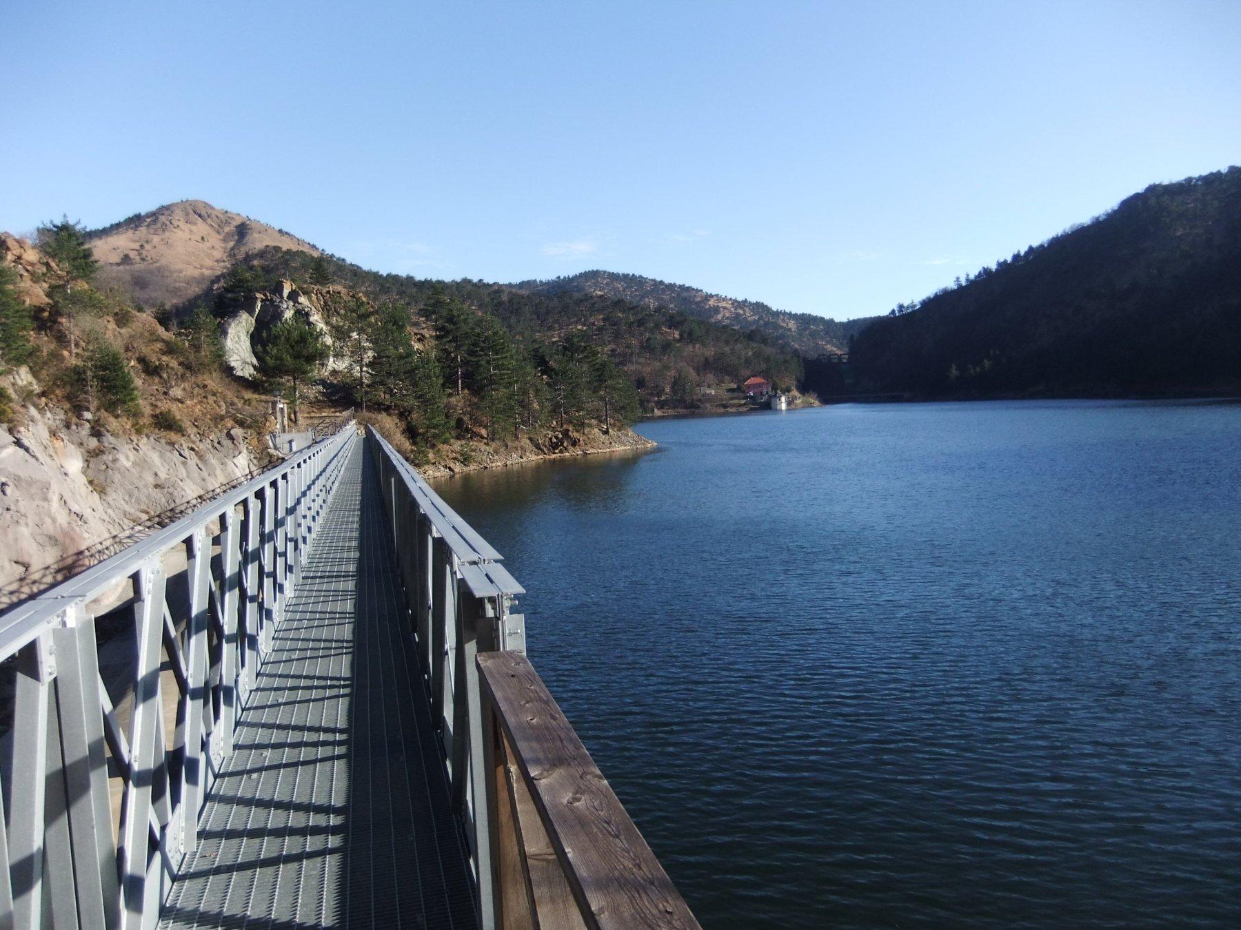 Passerella sul Lago Bruno