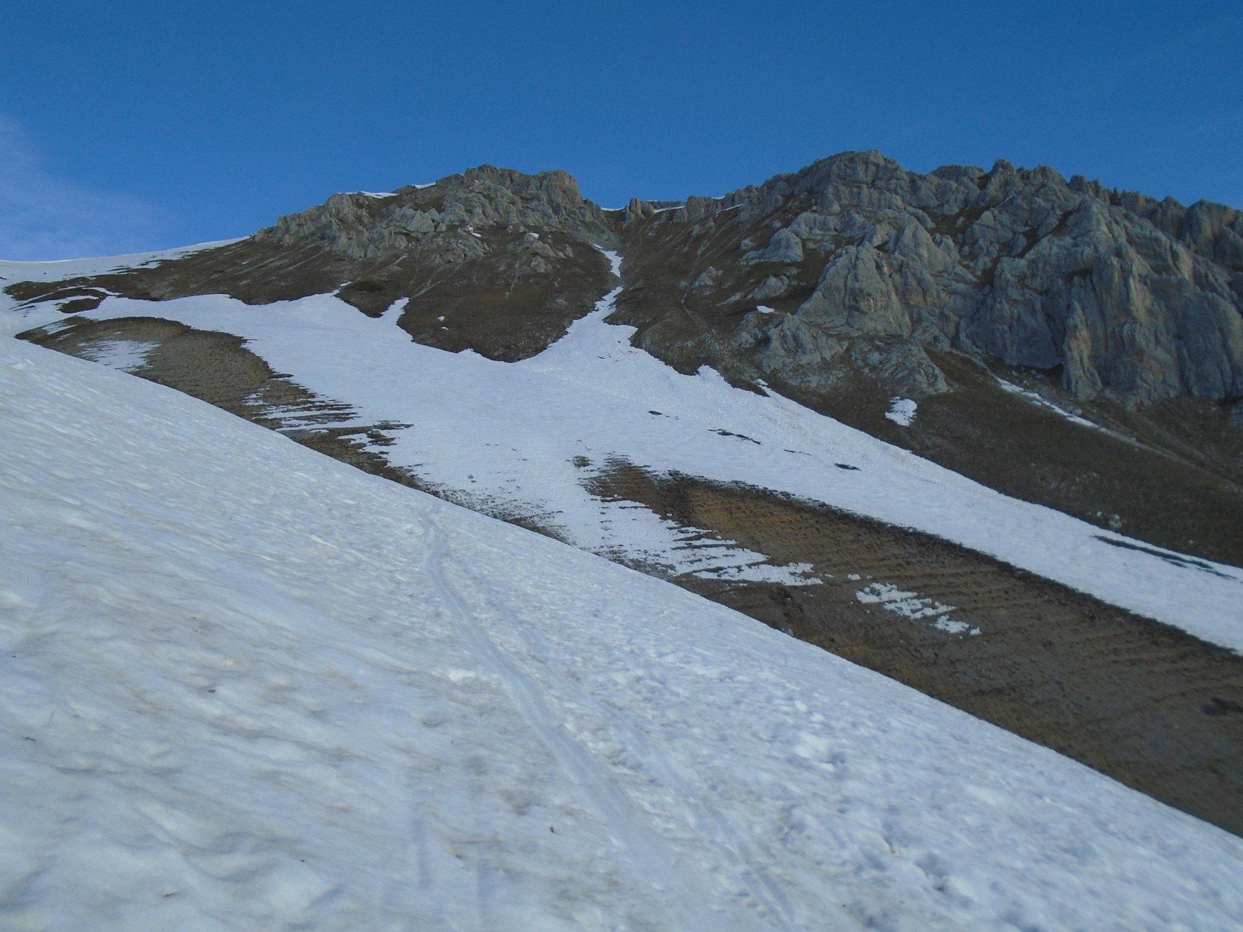 Canali verso Rocca D' Orel ormai senza neve