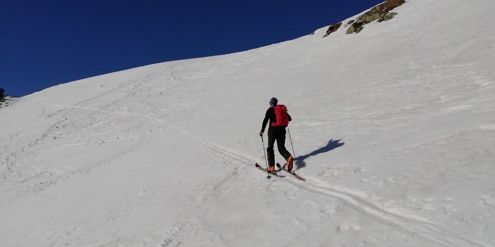 Salita agevole su buona neve