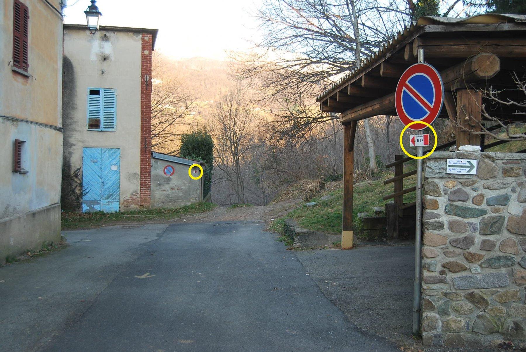 La partenza del sentiero B8, ben segnalata, da Graglia alla fine della Via Bert