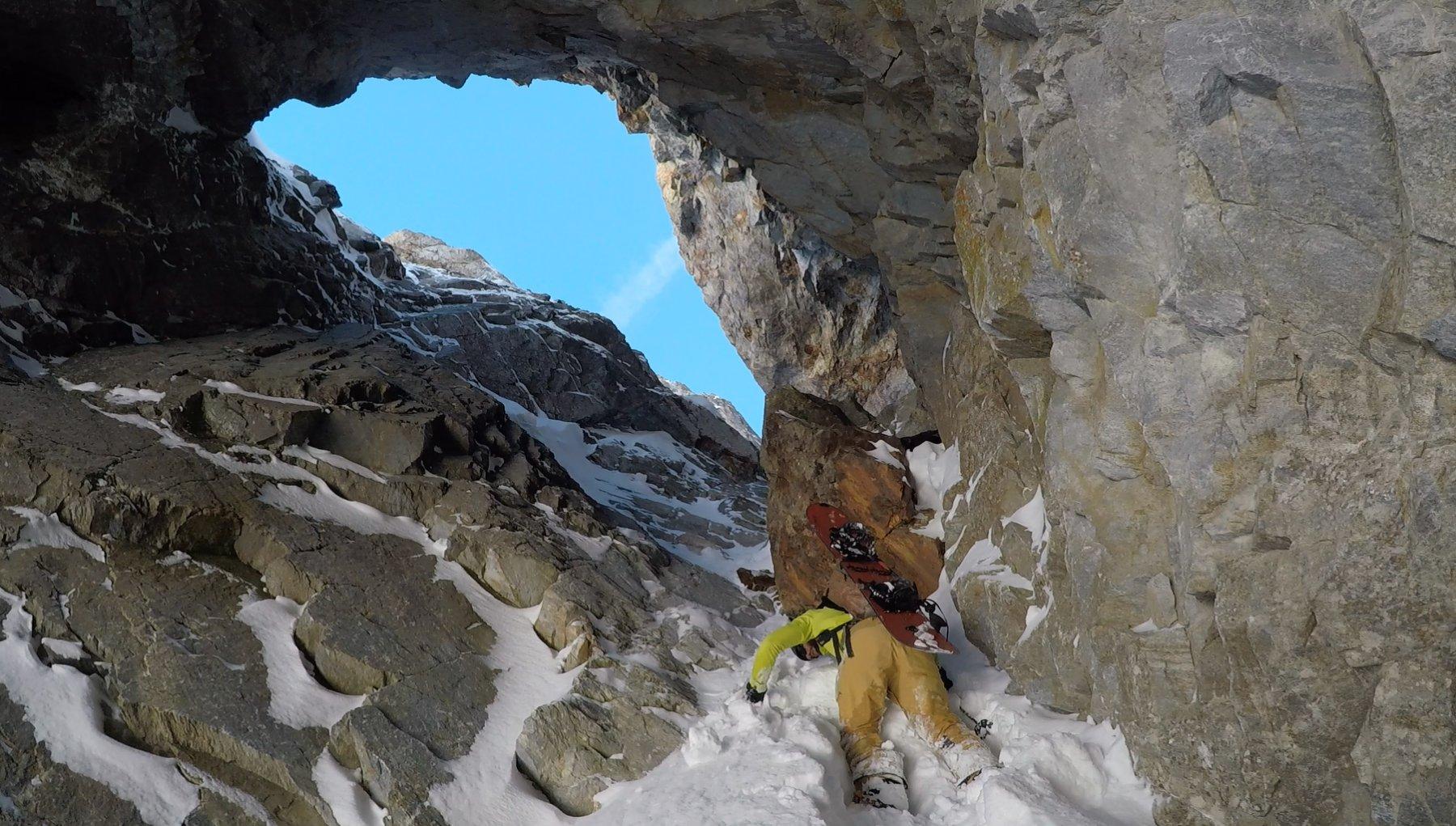 Il piccolo risalto per entrare nella caverna