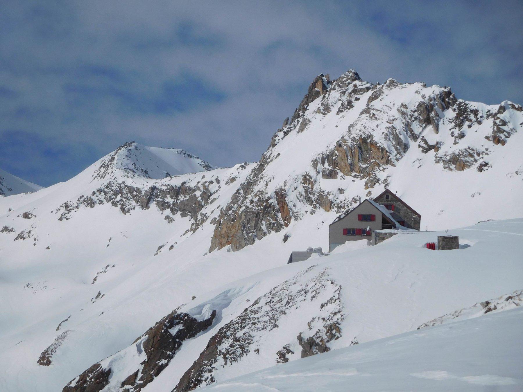 Rotondohutte la cima di Sx è il Rottallihorn