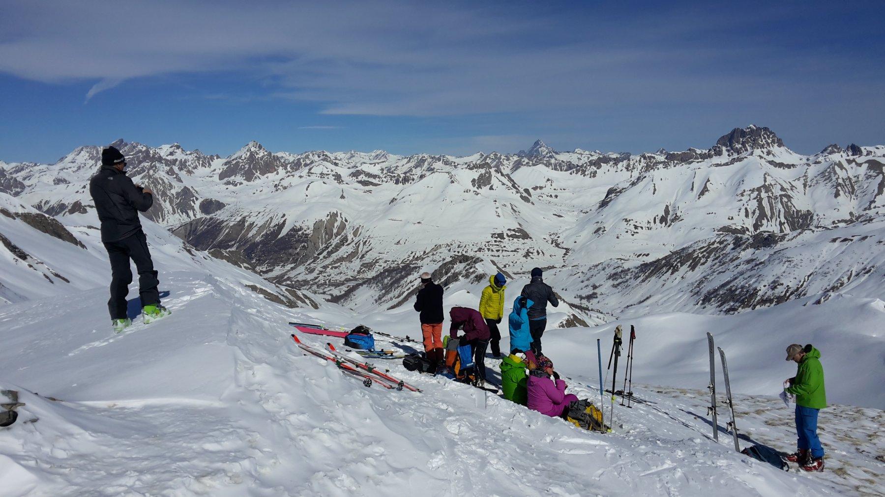 in cima con un gruppo di svizzeri
