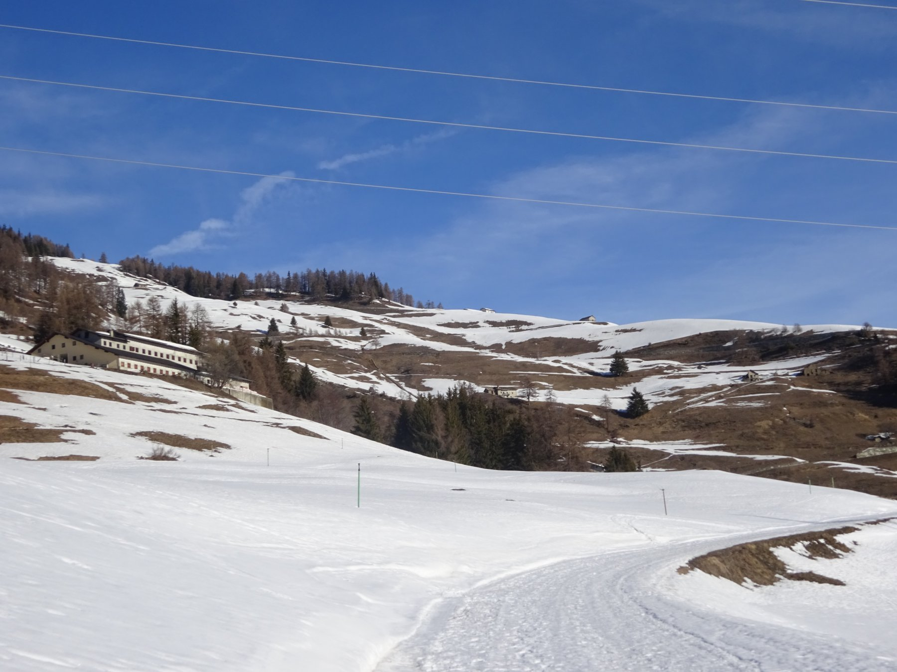 I pendii iniziali esposti a sud-est con poca neve