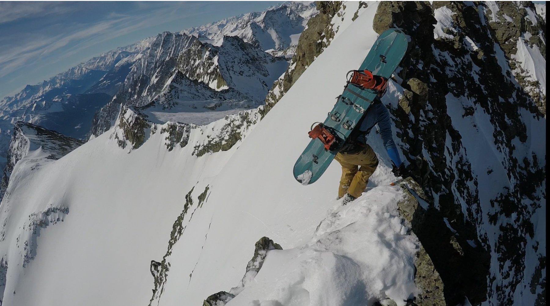 Anticima non collegata alla cima, la cima sciistica è questa