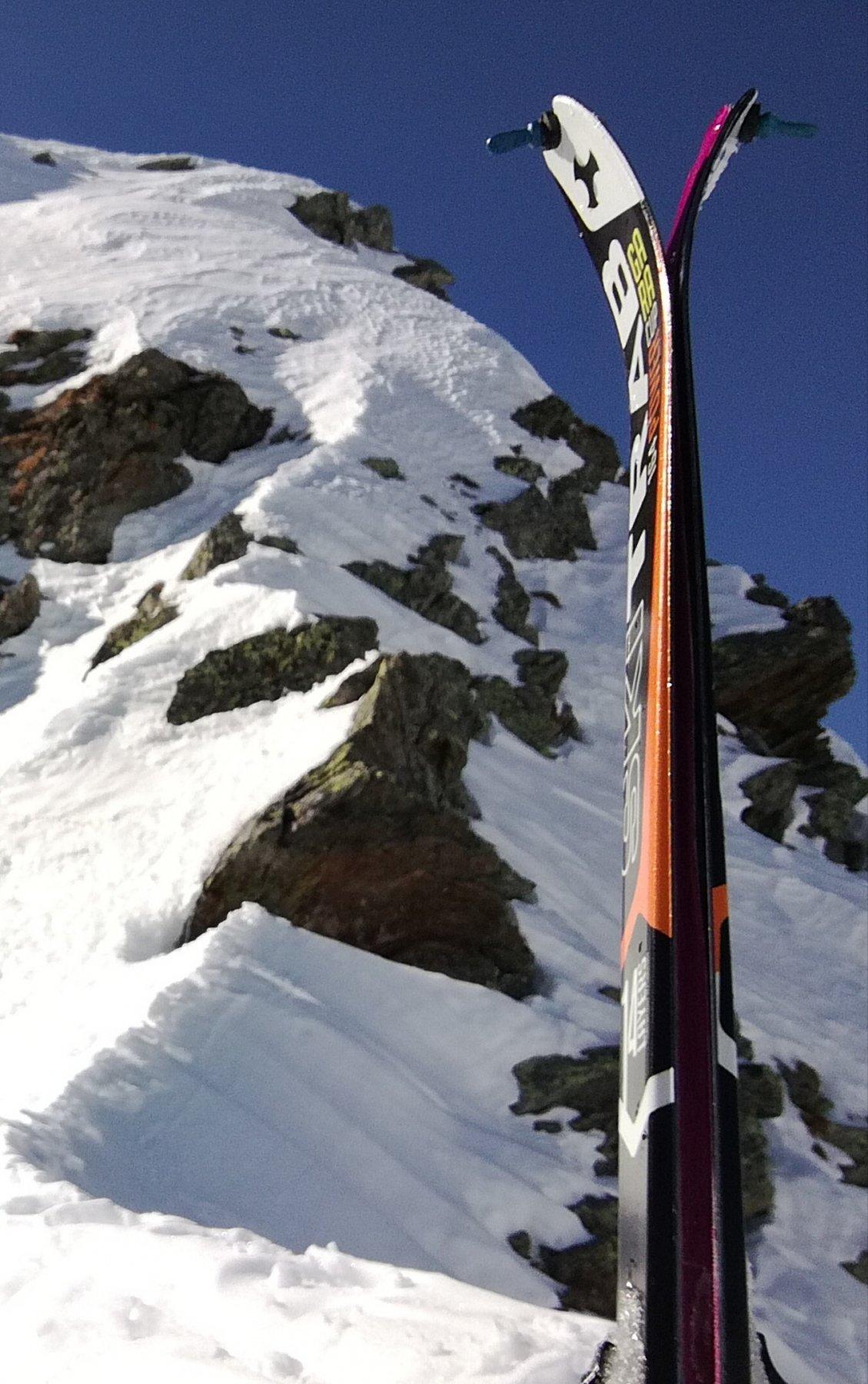 La cresta E che porta alla cima