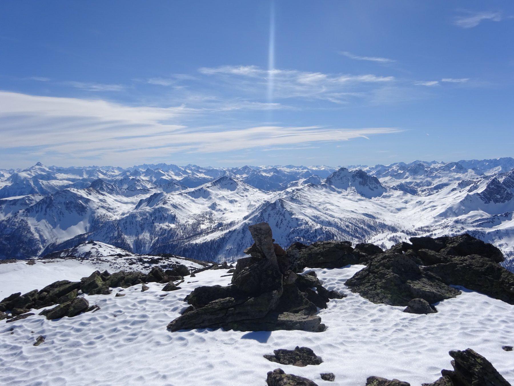 In vetta alla Montagne de Challange quota 2.955 - affaccio sulla Val de La Claree