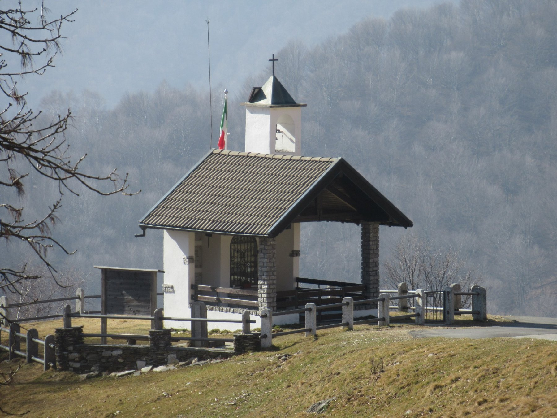 Chiesetta all'Alpe Camasca