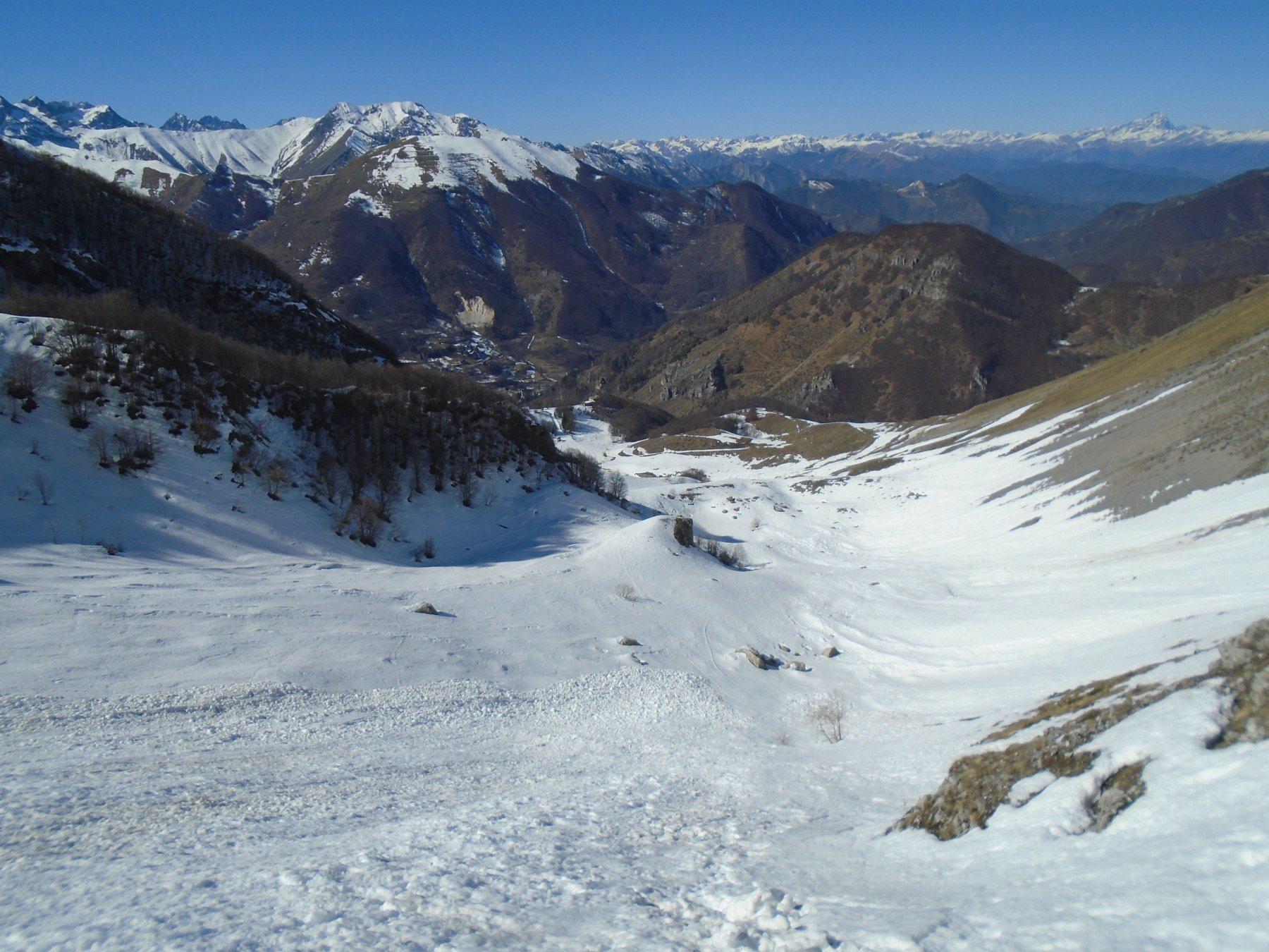 Discesa dalla prima conca superiore a quella inferiore (1500 m)