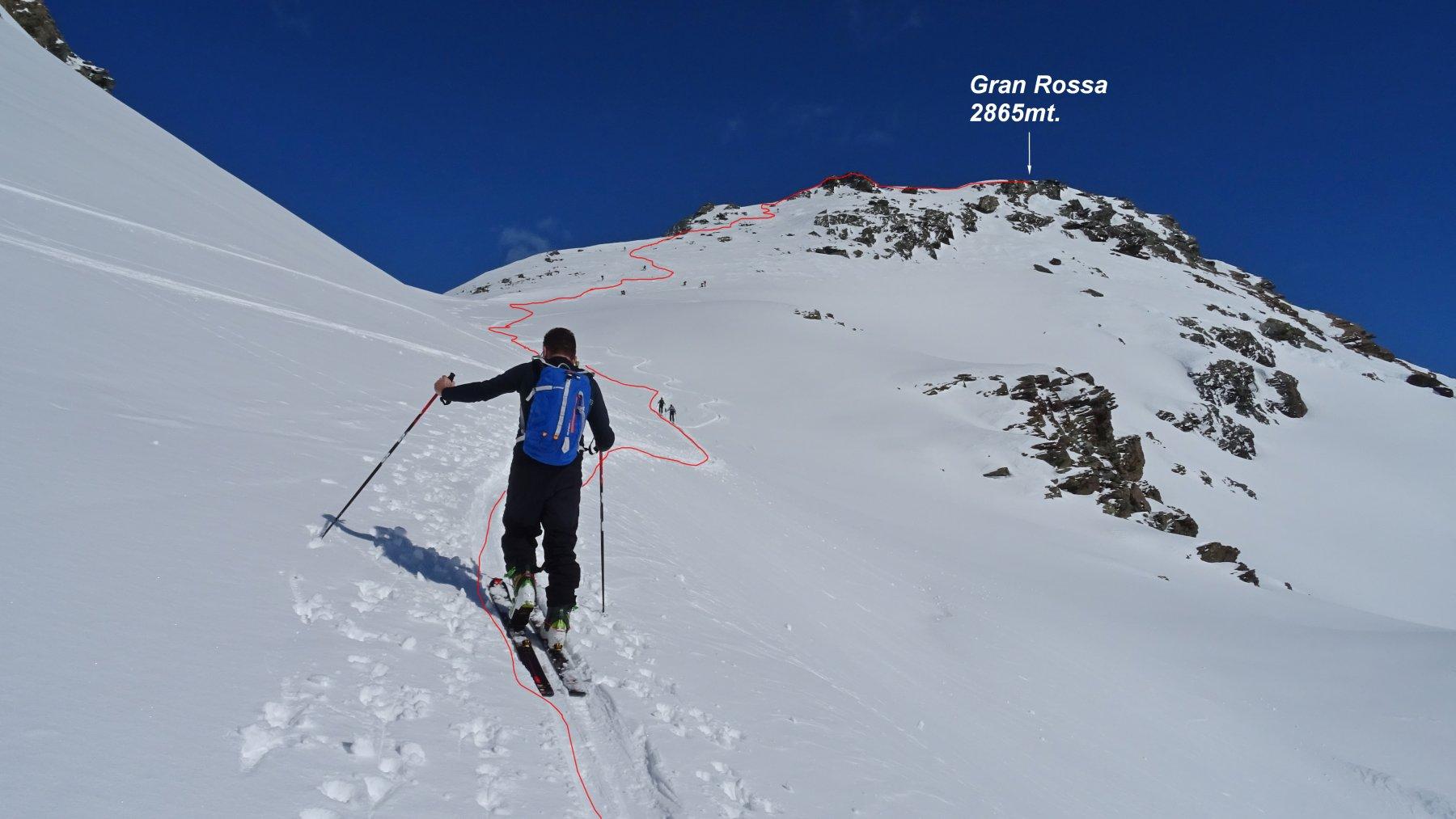 Ultimi metri del traverso verso il Colle della Gran Rossa prima dello strappo sotto la vetta.