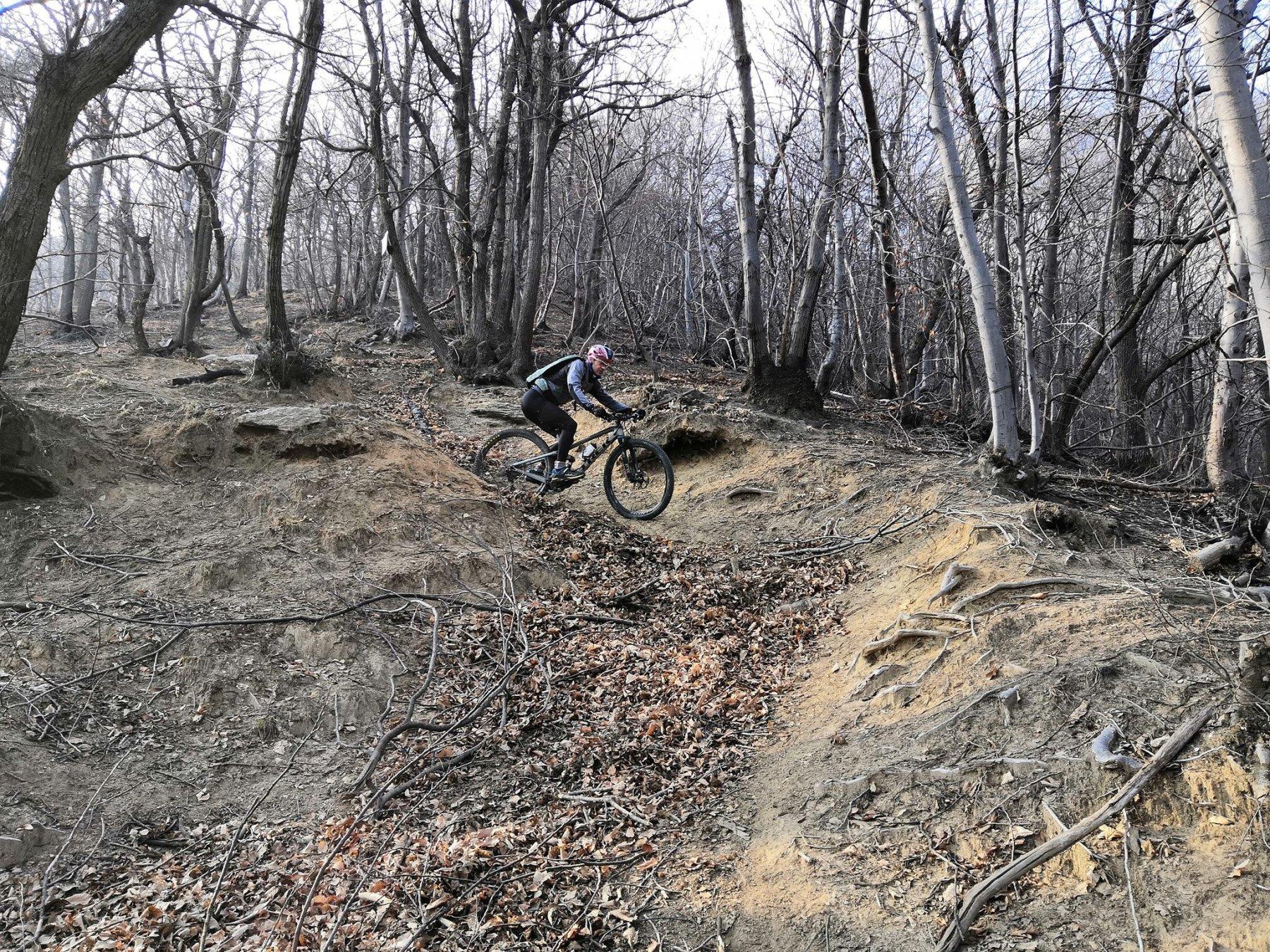 Passaggi ripidi e sporchi sul Sentiero dei Cacciatori