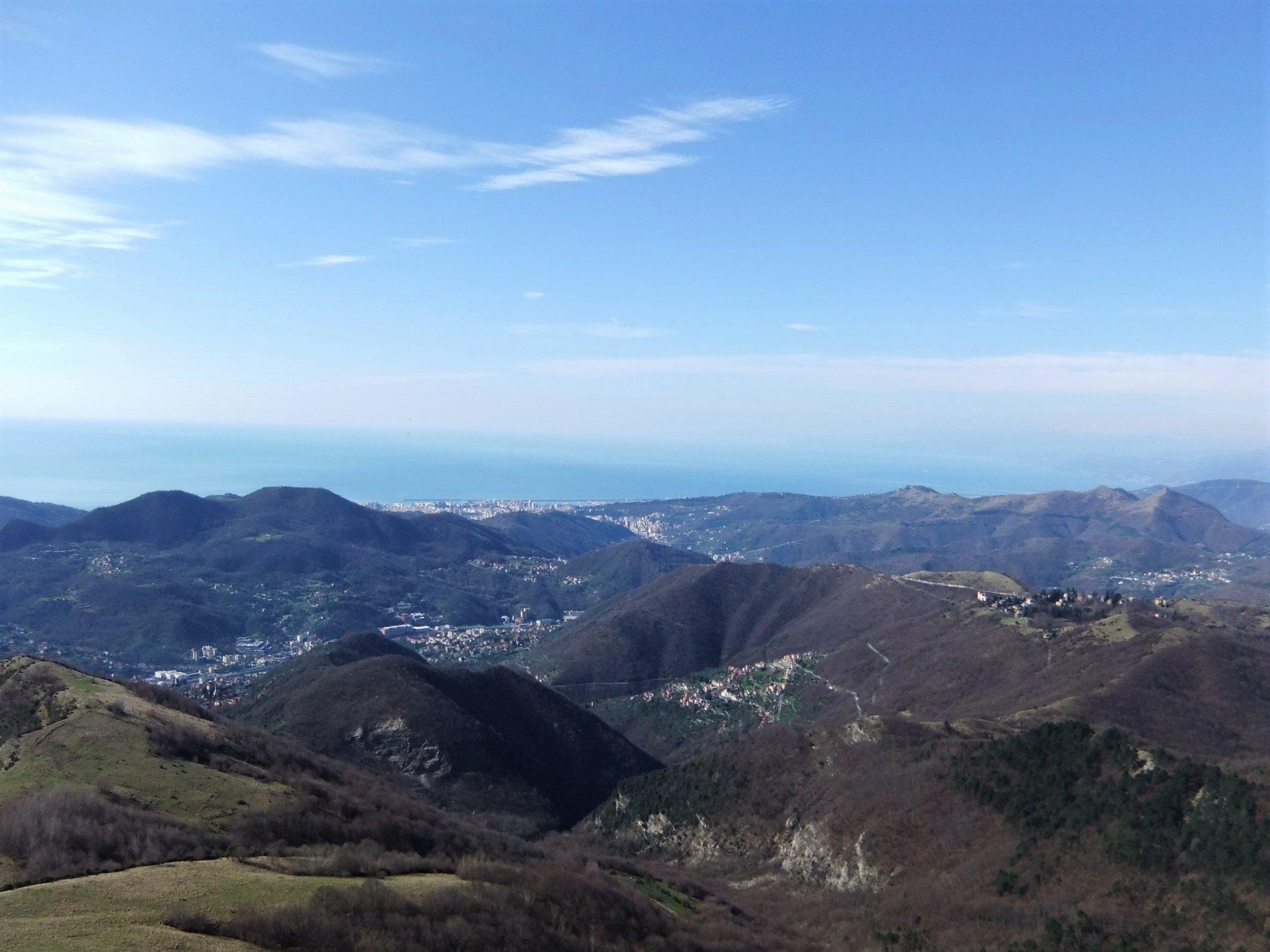 Genova dalla cima dell' Alpesisa